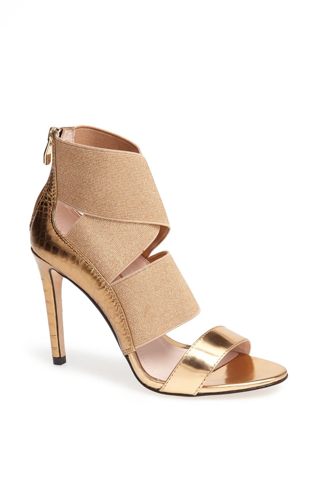 Alternate Image 1 Selected - Vince Camuto 'Ondetti' Sandal