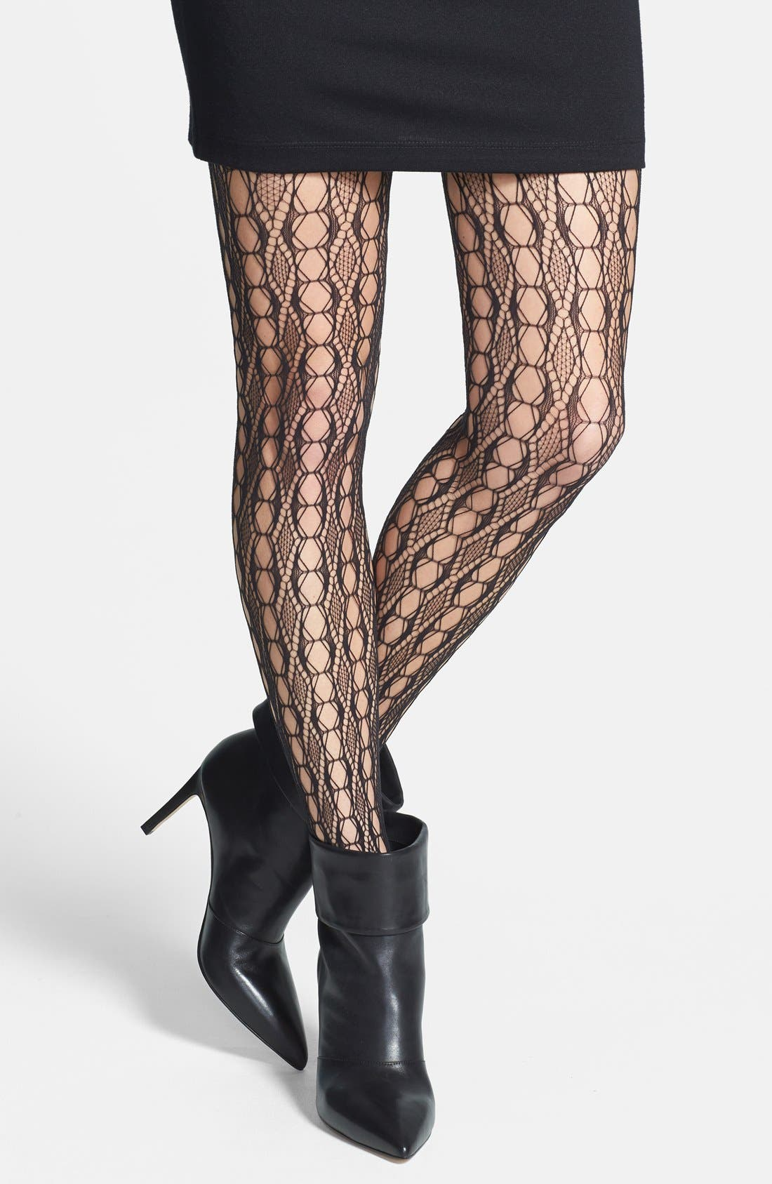 Alternate Image 1 Selected - Hue 'Linear Diamond Net' Tights