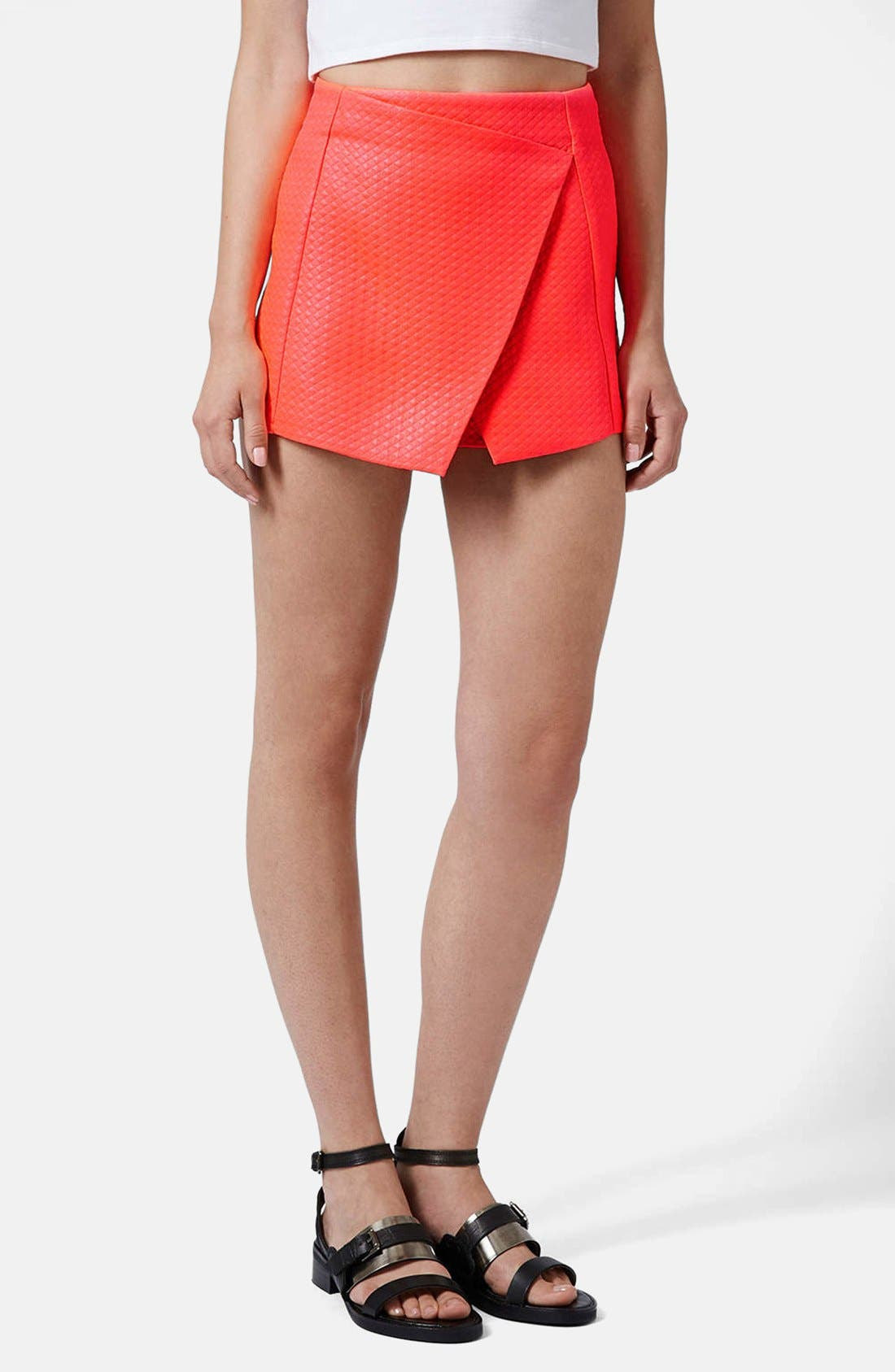 Main Image - Topshop Diamond Quilted Skort