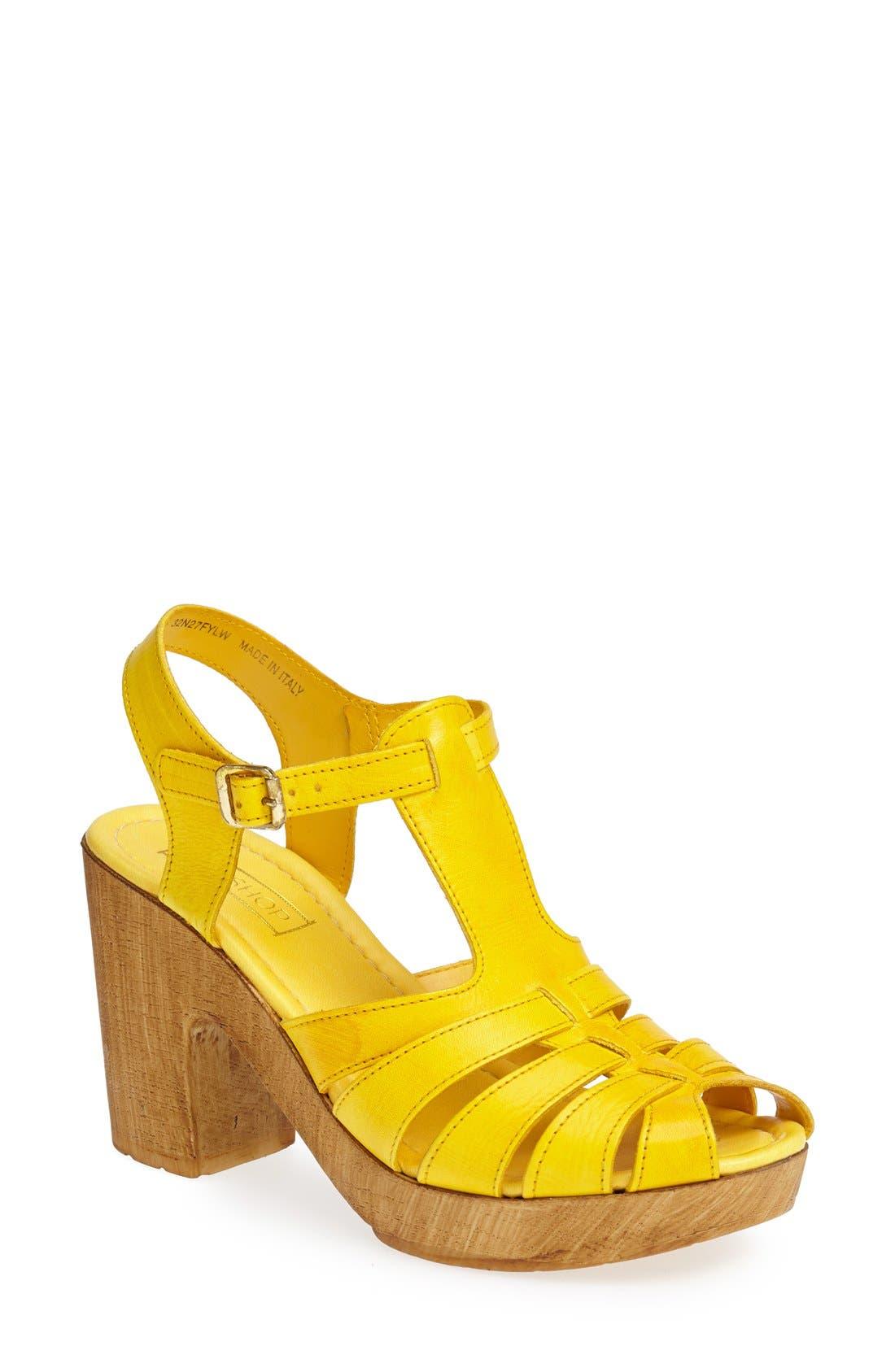 Alternate Image 1 Selected - Topshop 'Notch' Strappy Sandal (Women)