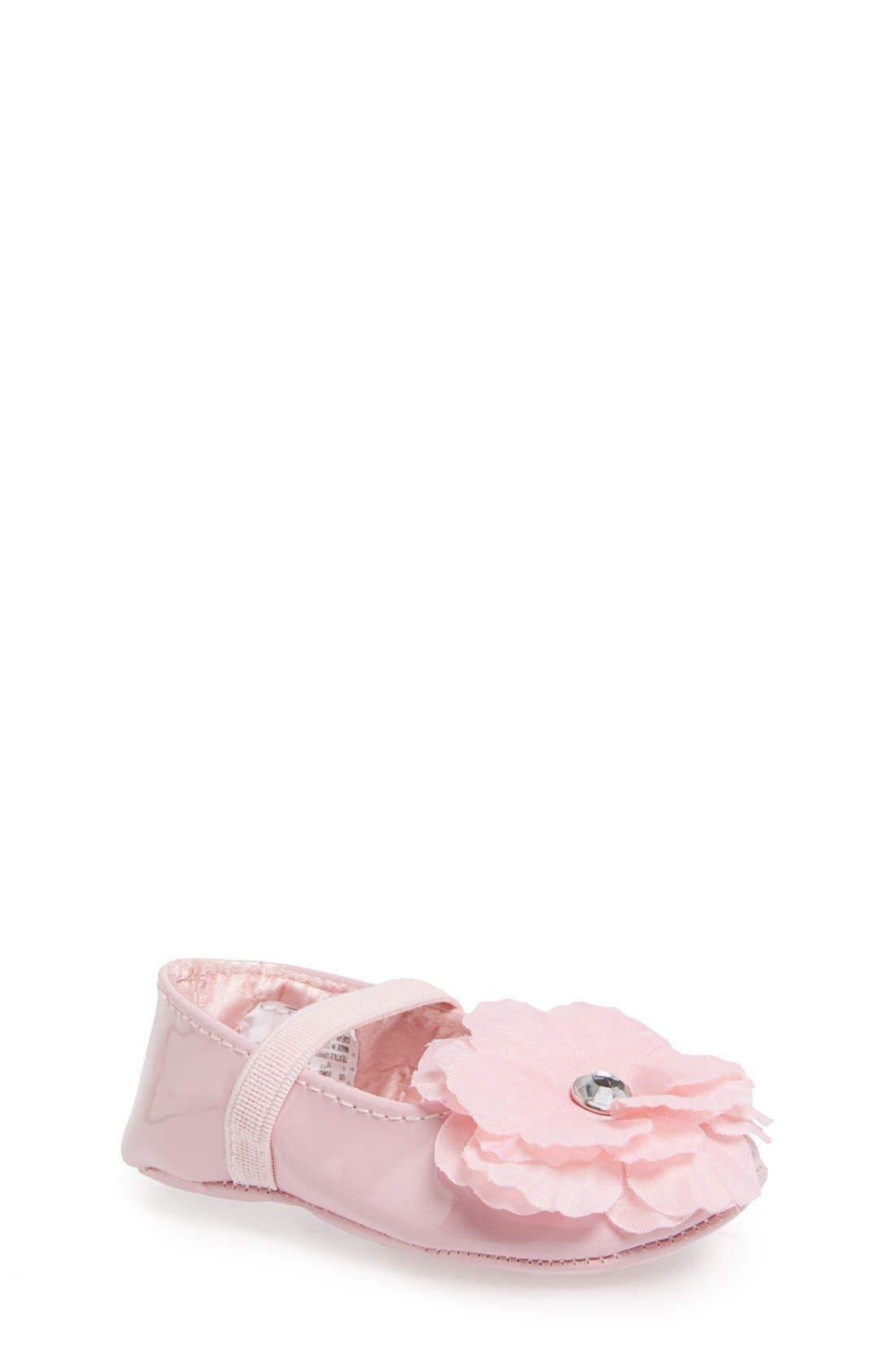 Stuart Weitzman 'Baby Bud' Crib Shoe (Baby)