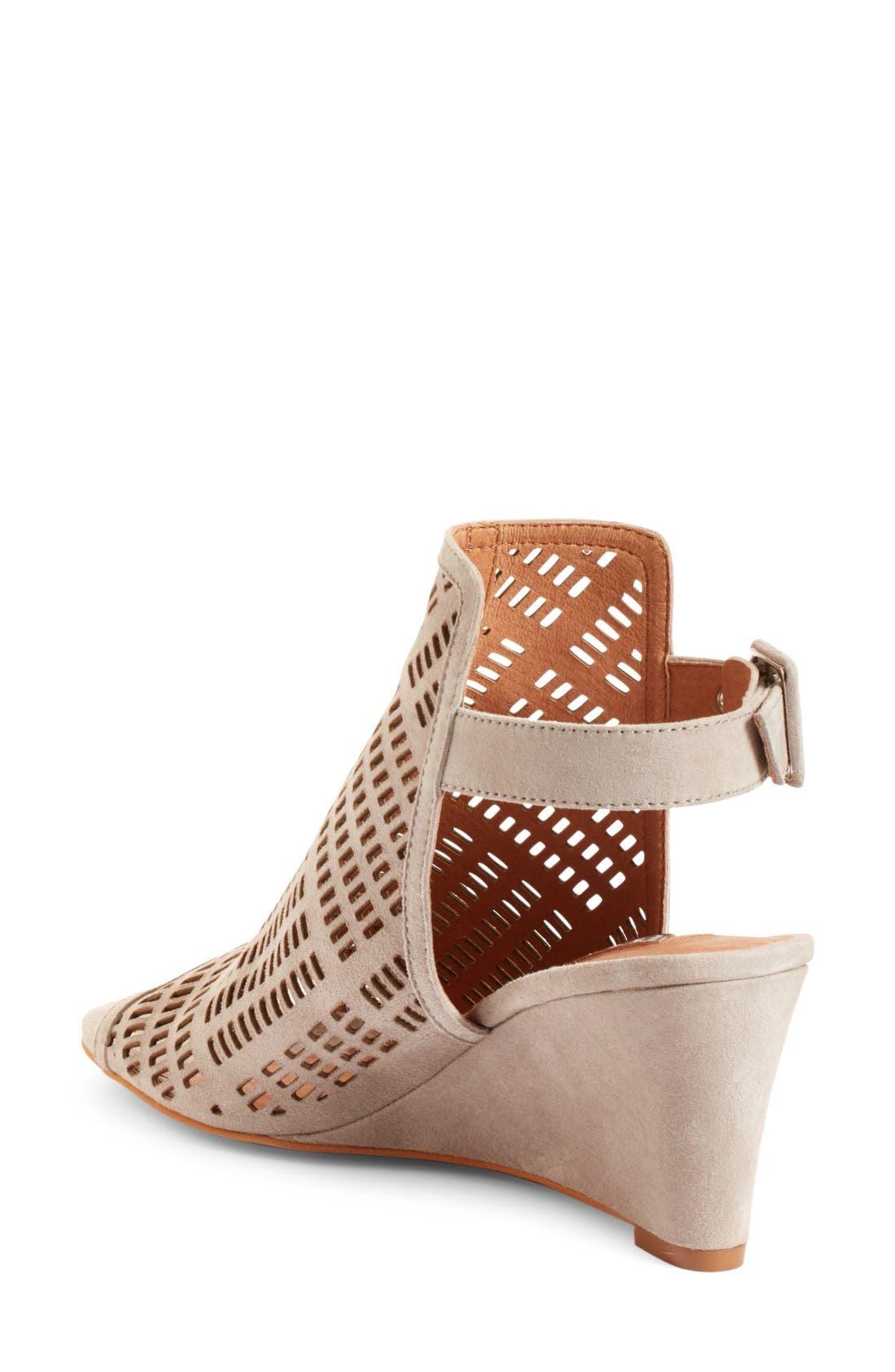 Alternate Image 2  - Halogen® Rosina Laser Cut Wedge Sandal (Women)