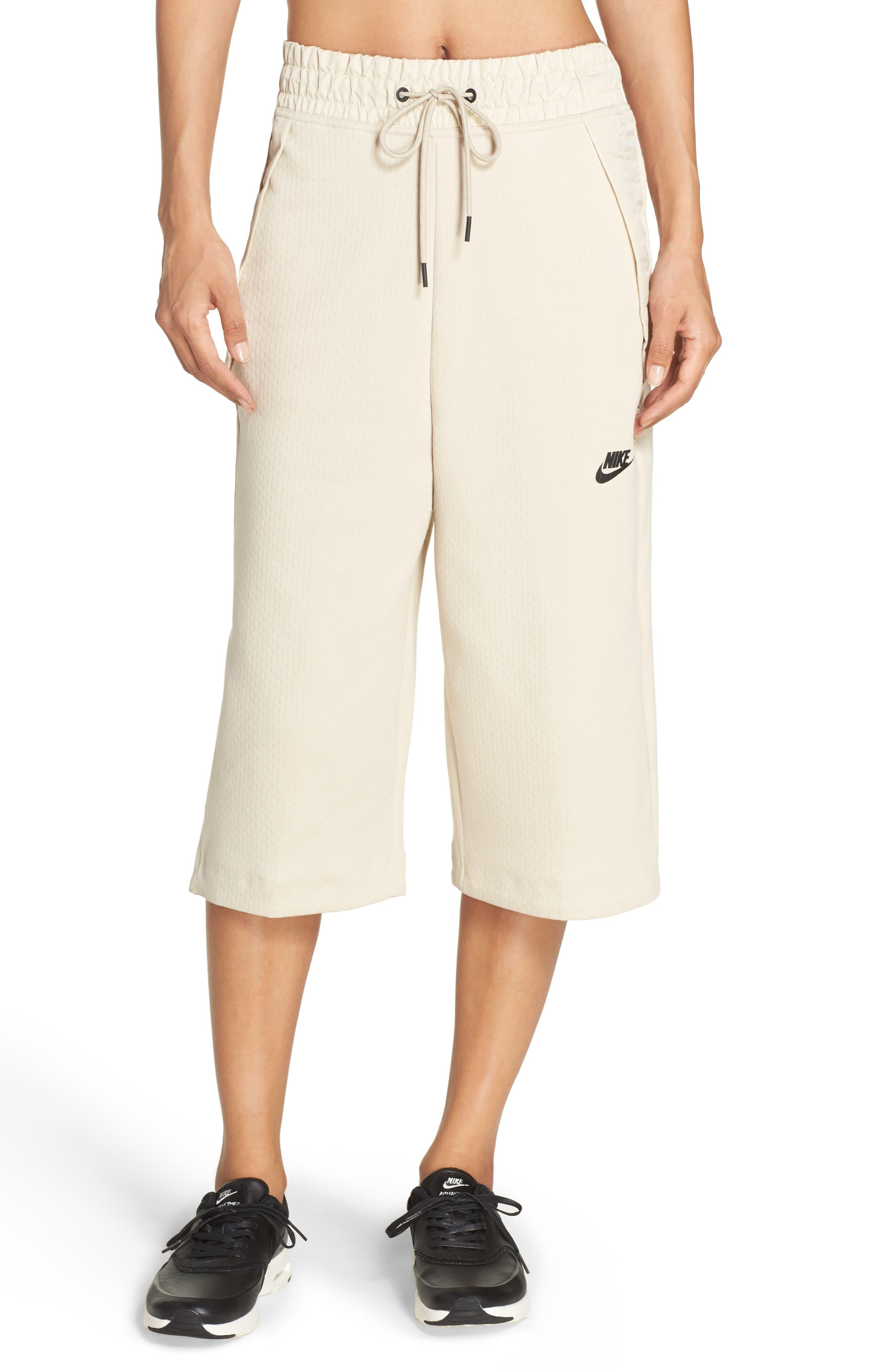 Nike Sportswear Tech Fleece Capri Pants