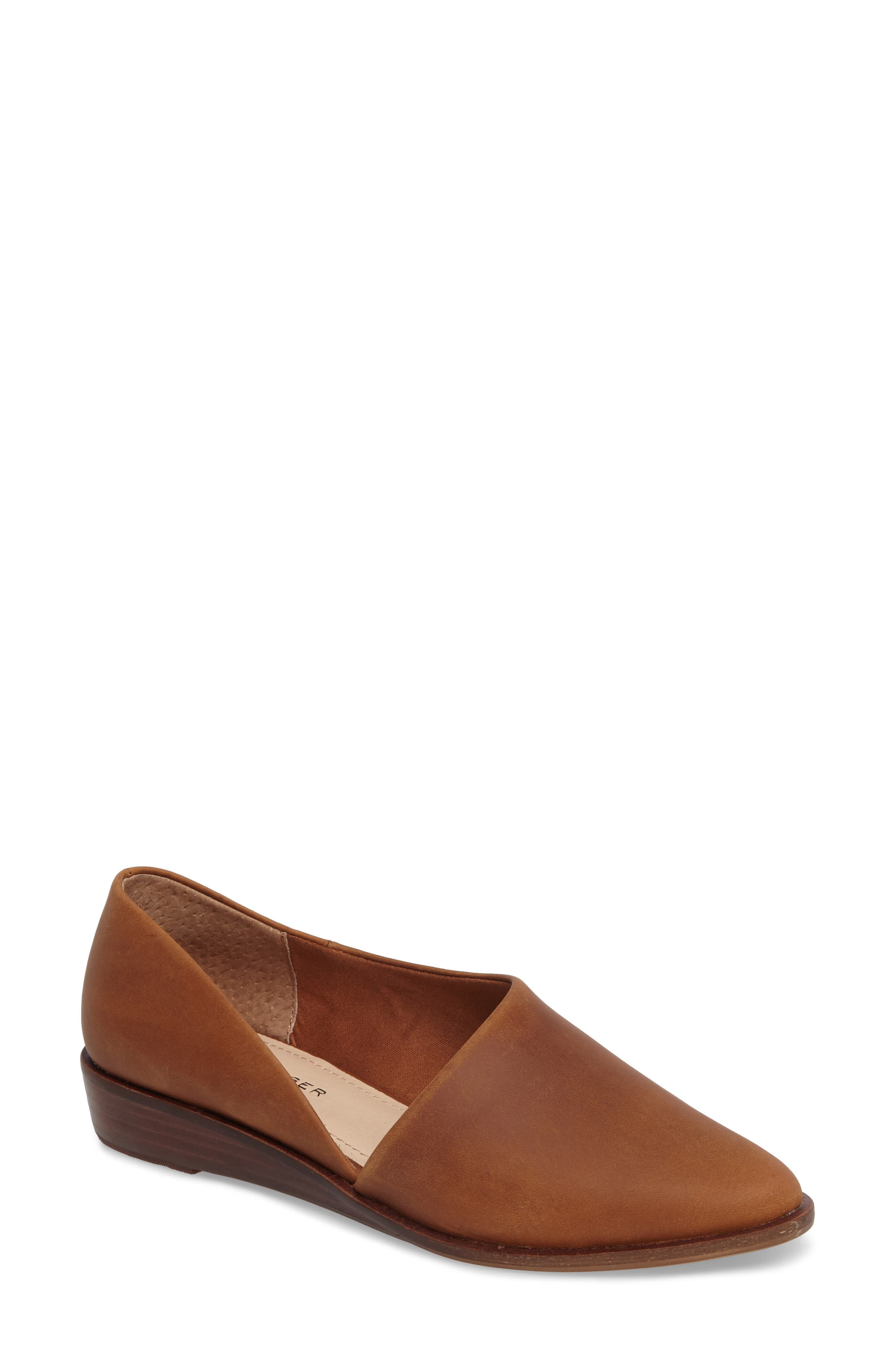 Kelsi Dagger Brooklyn Aster Flat (Women)