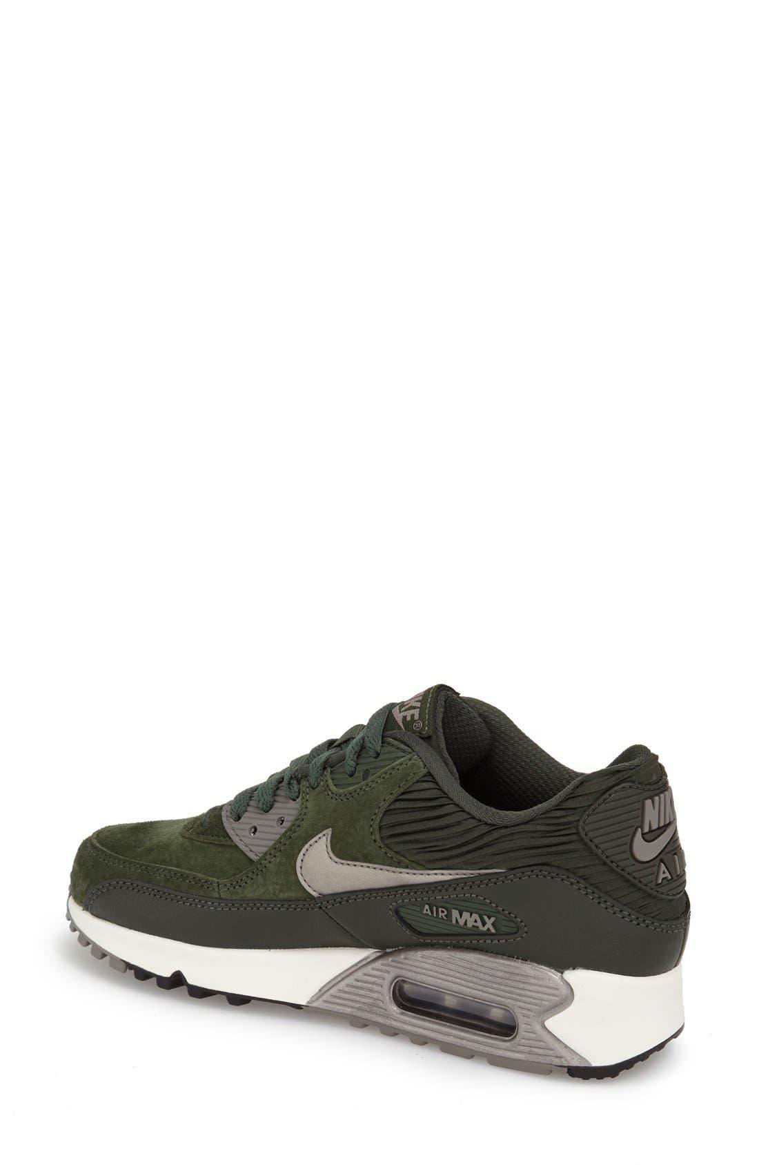 Alternate Image 2  - Nike 'Air Max 90' Sneaker (Women)