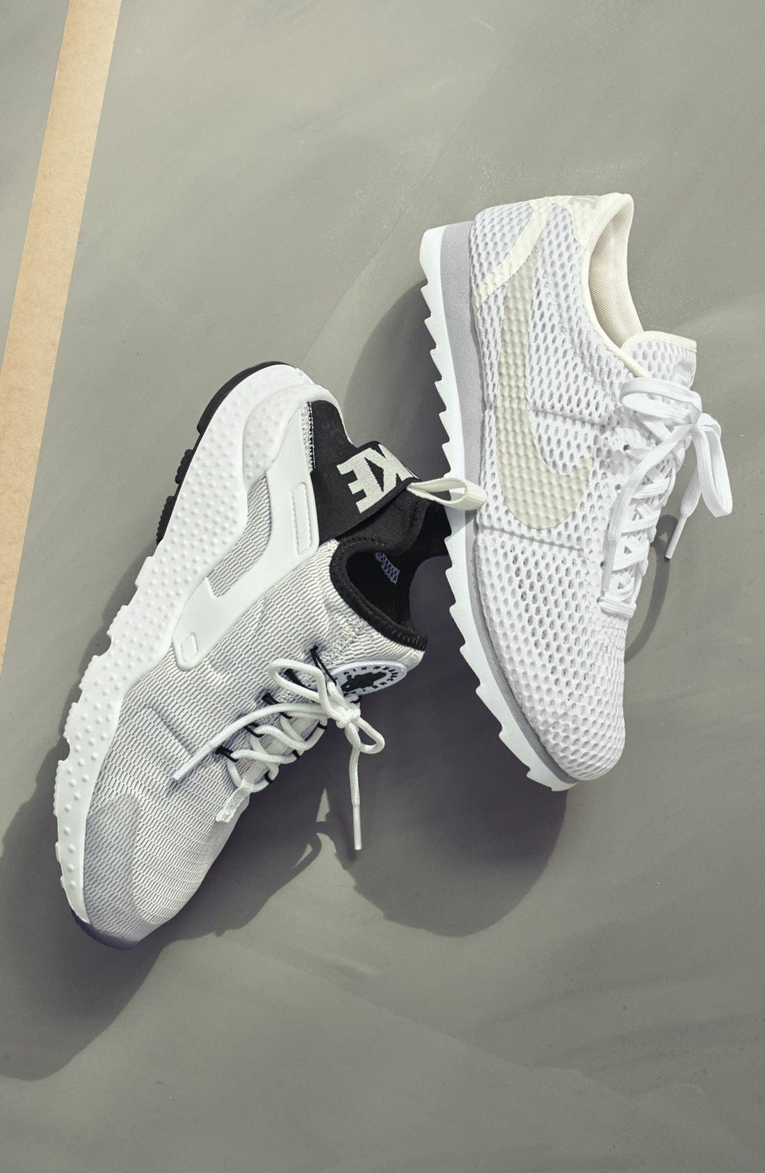 Alternate Image 5  - Nike Air Huarache Sneaker (Women)