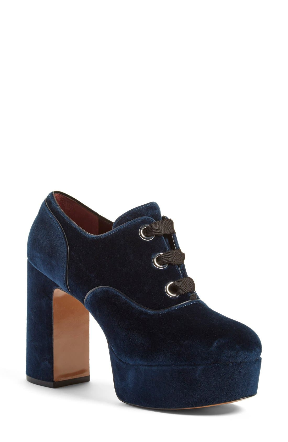 Alternate Image 1 Selected - MARC JACOBS 'Beth' Oxford Pump (Women)