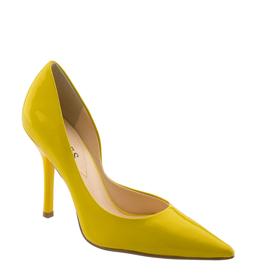 Main Image - GUESS 'Carrie' Patent Leather Pump