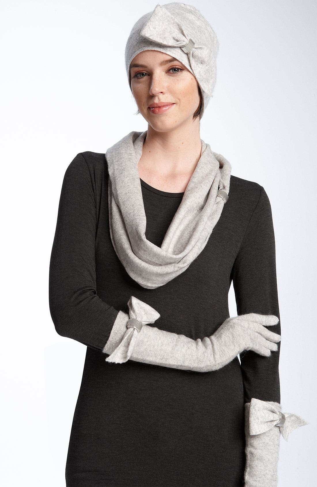Alternate Image 2  - Nordstrom 'Pretty Bow' Knit Cap