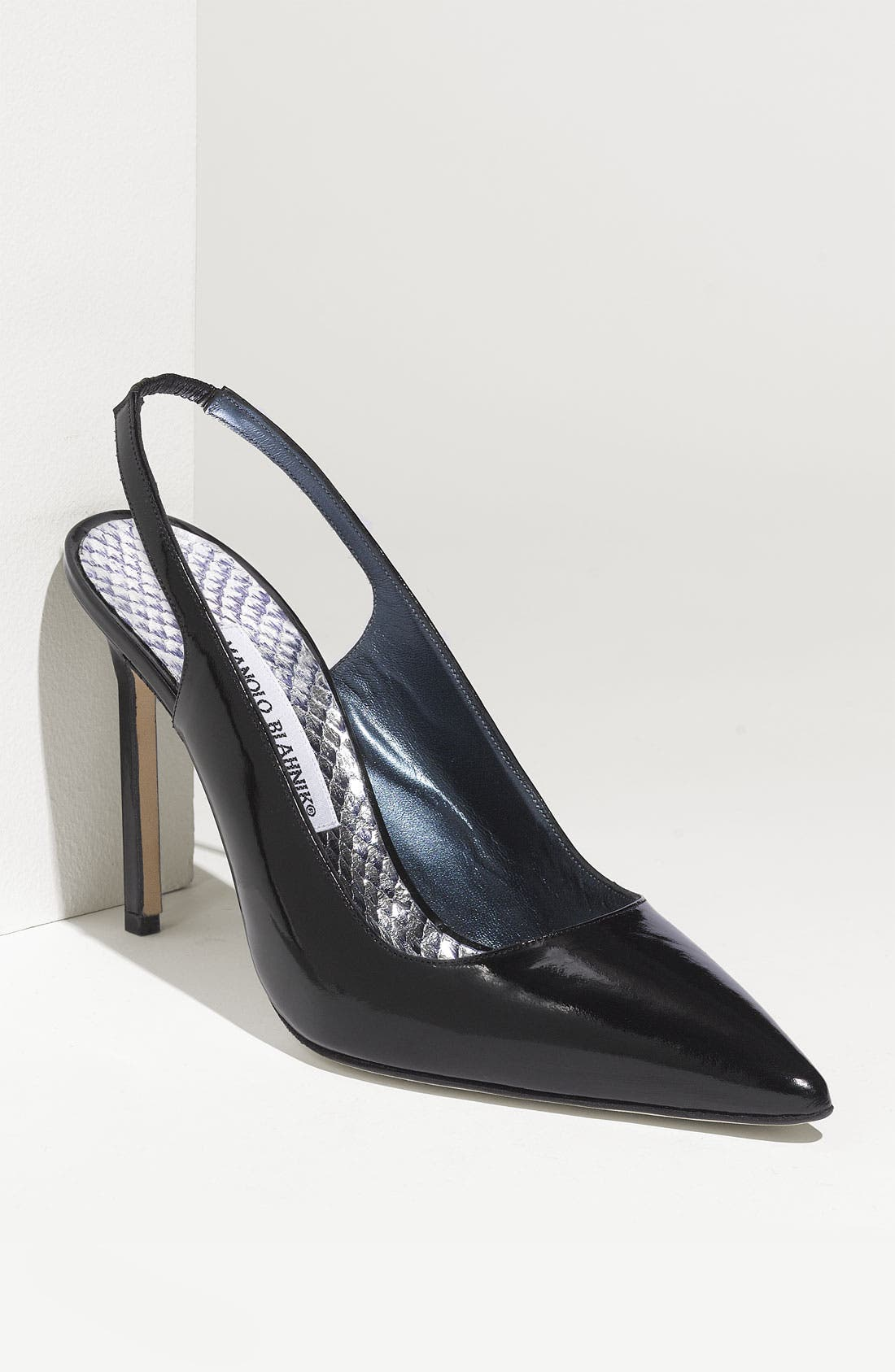 Alternate Image 1 Selected - Manolo Blahnik 'Marcafac' Patent Pump