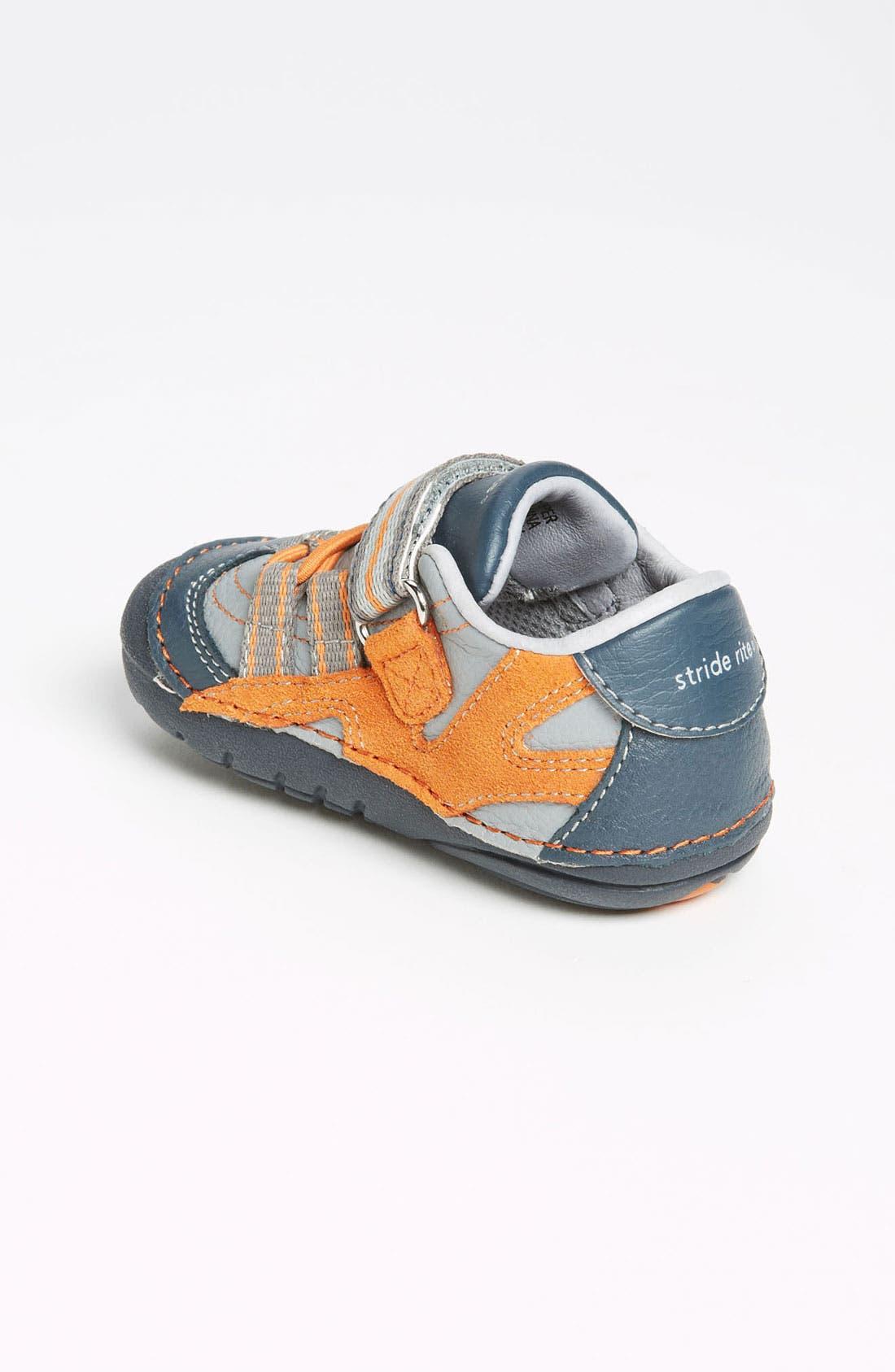 Alternate Image 2  - Stride Rite 'Leo' Sneaker (Baby & Walker)