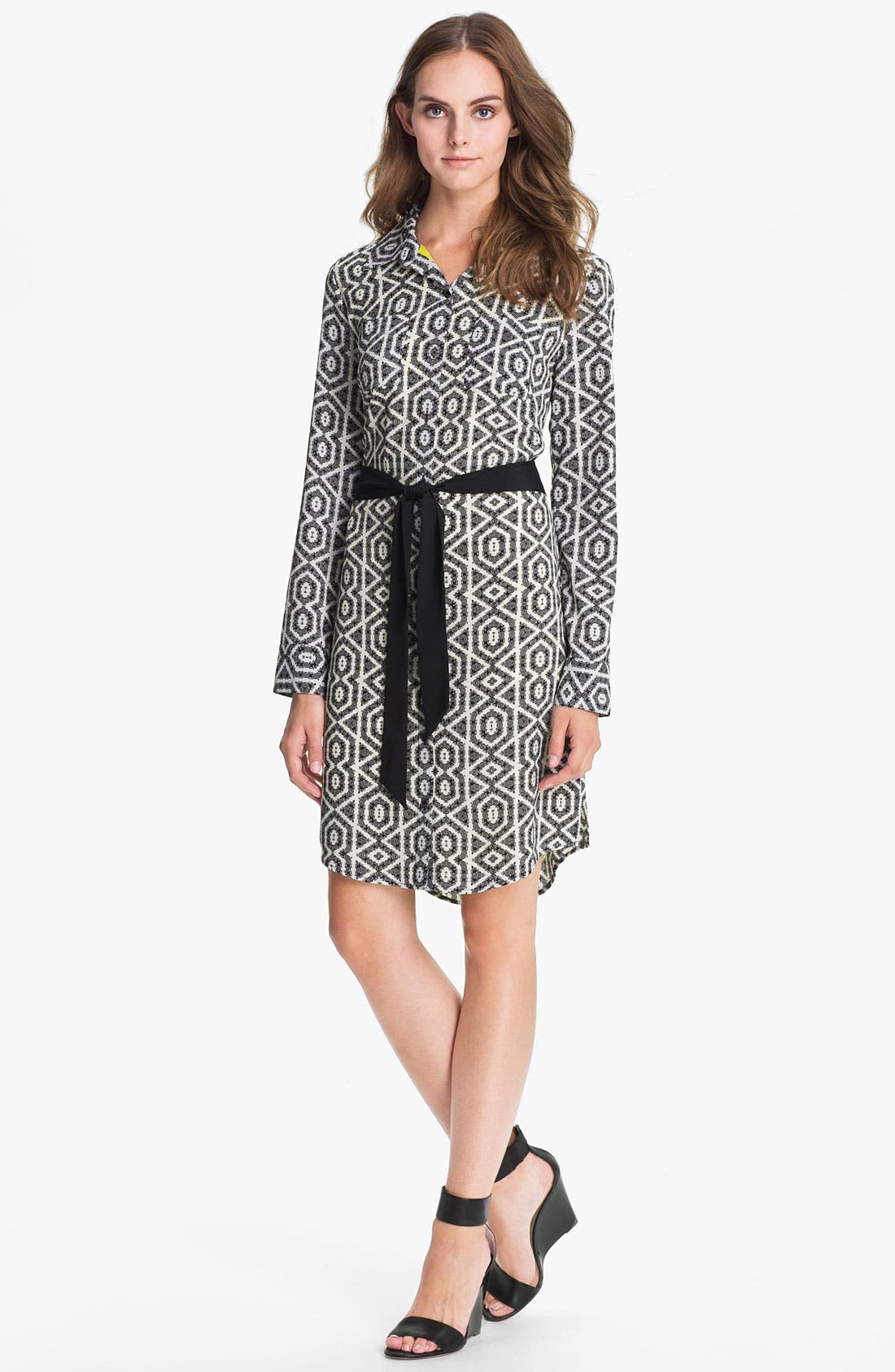 Alternate Image 1 Selected - Vince Camuto Print Shirtdress