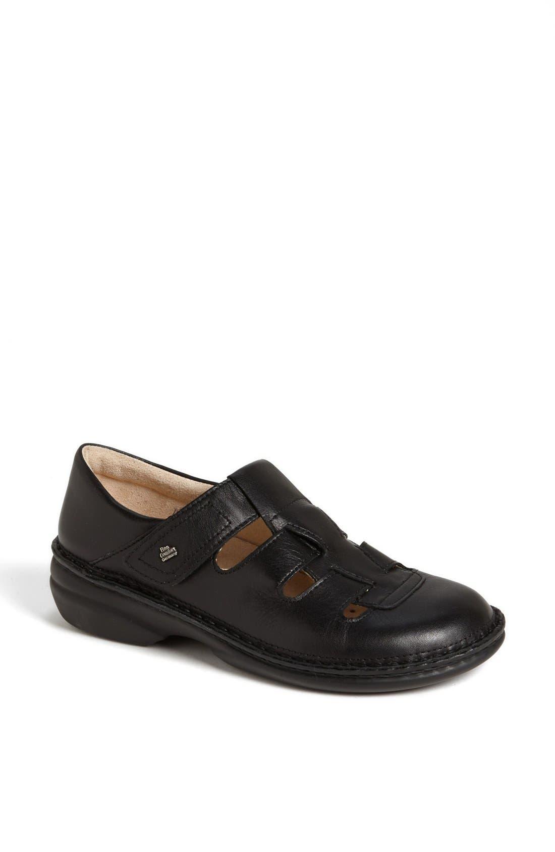 Alternate Image 1 Selected - Finn Comfort 'Quebec' Sandal