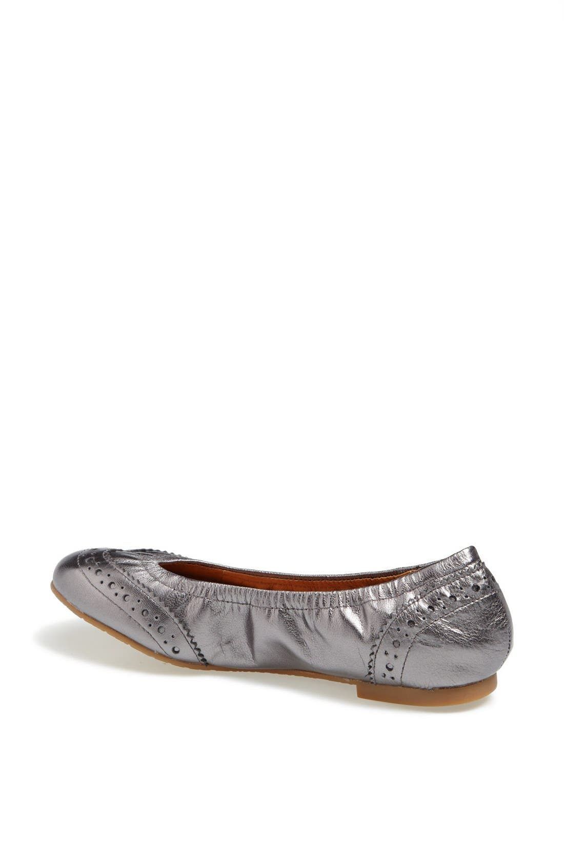 Alternate Image 2  - Juil 'The Wing Tip' Copper Grounded Metallic Leather Flat