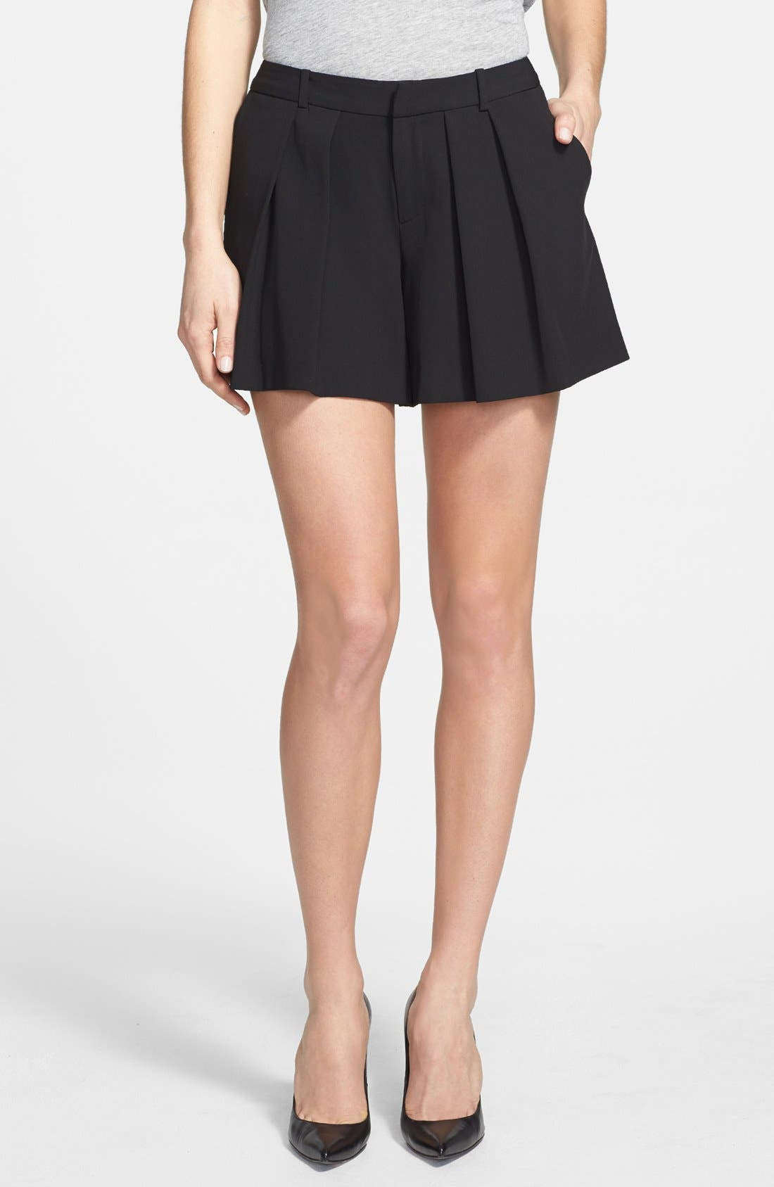 Main Image - Halogen® Pleat Front Shorts
