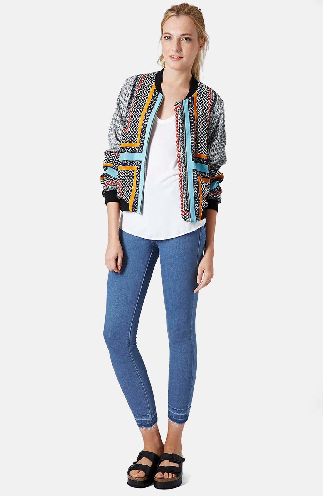 Alternate Image 5  - Topshop Moto 'Joni' High Rise Crop Skinny Jeans (Light)