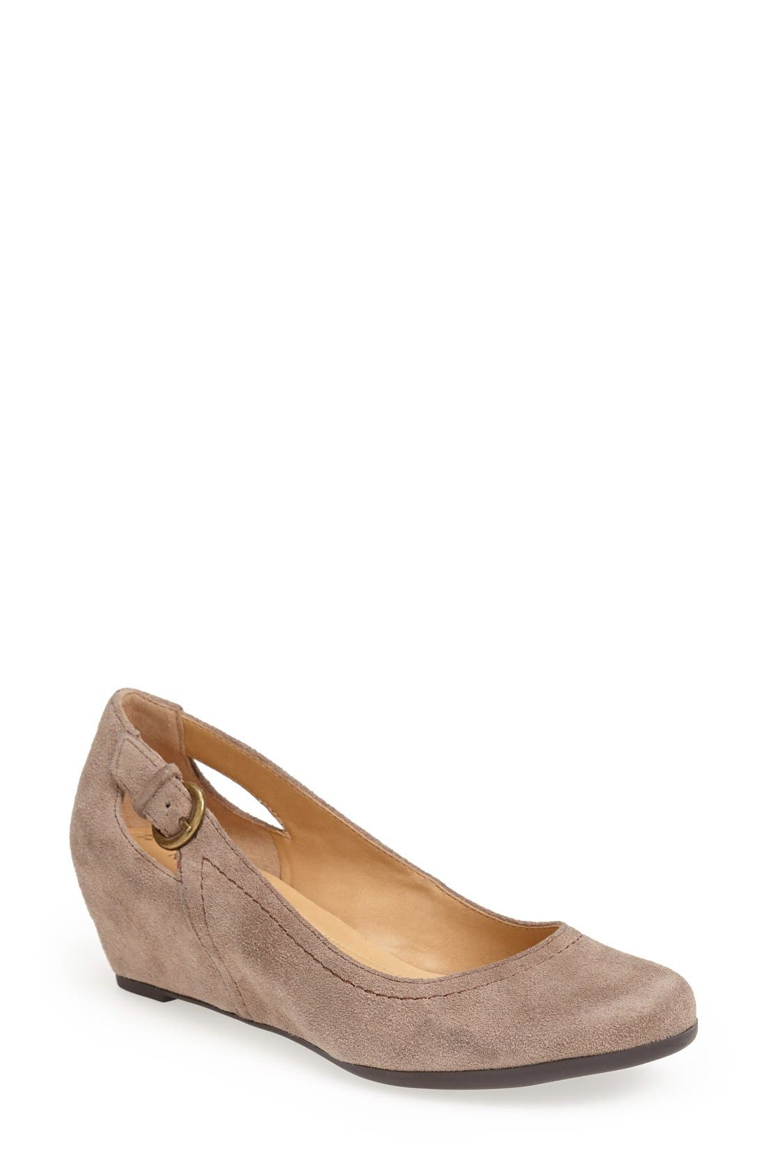 Alternate Image 1 Selected - Naturalizer 'Naja' Suede Pump (Women)