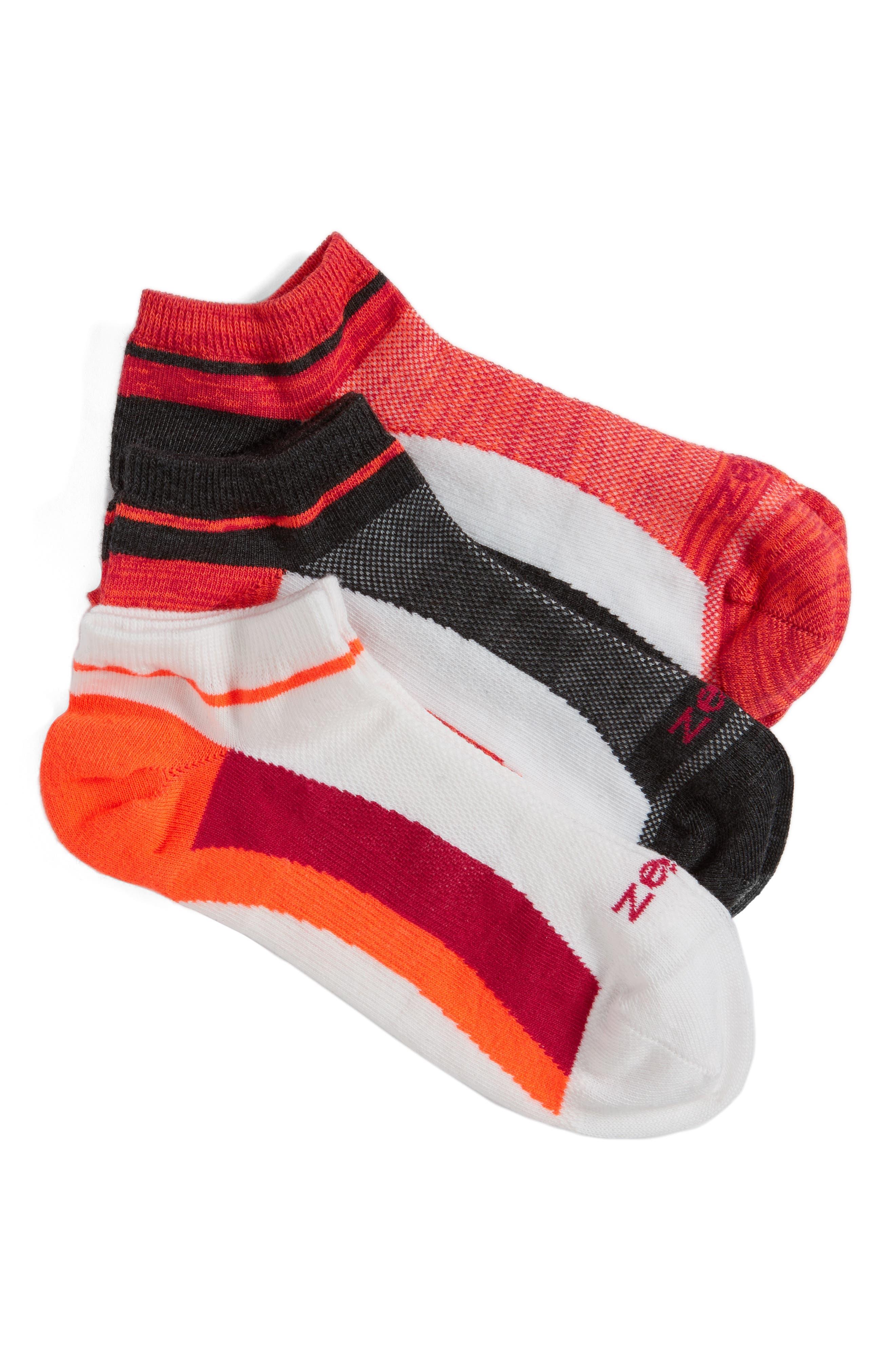 Main Image - Zella Fitness 3-Pack Liner Socks