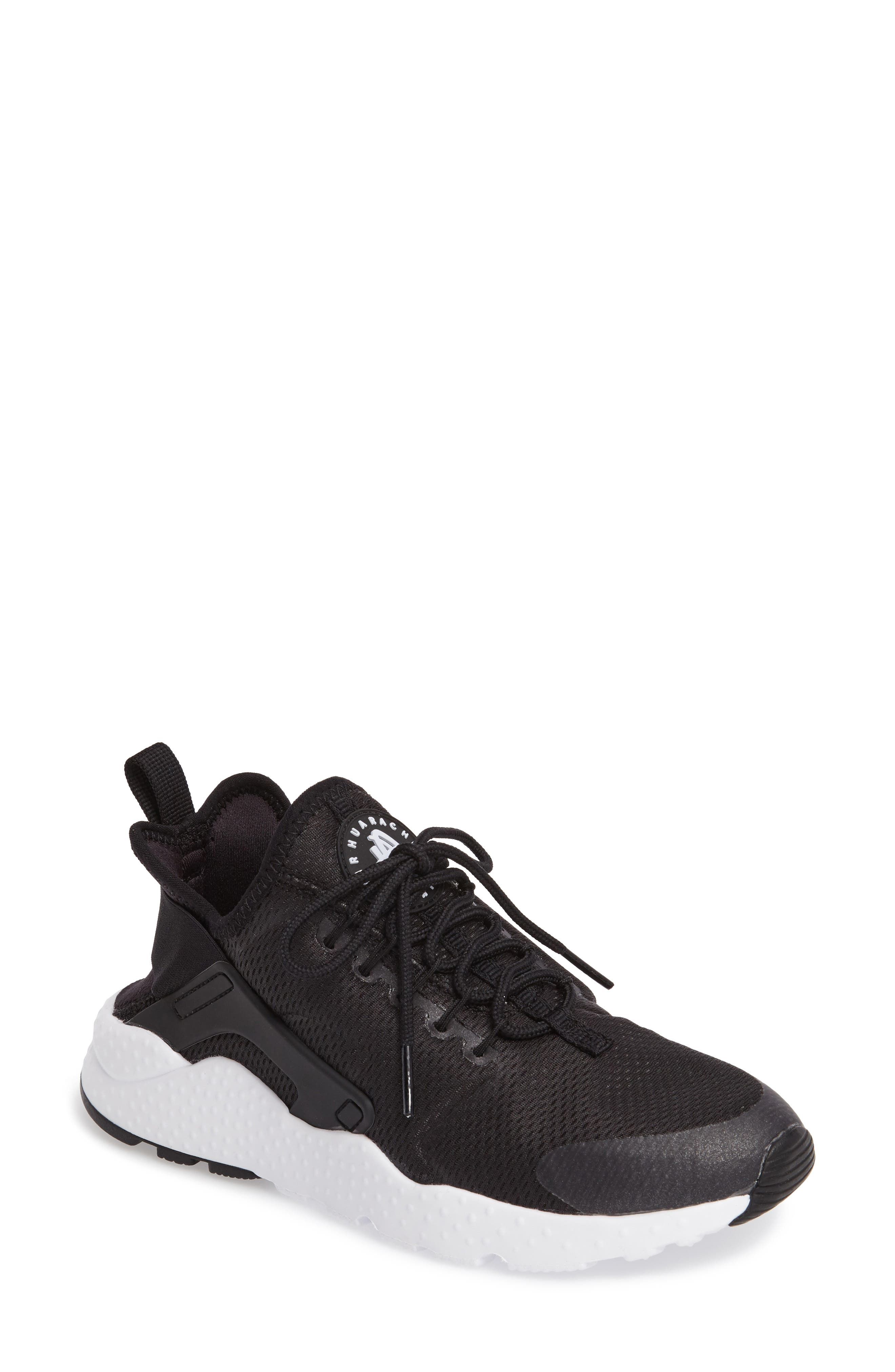 Nike Air Huarache Sneaker (Women)