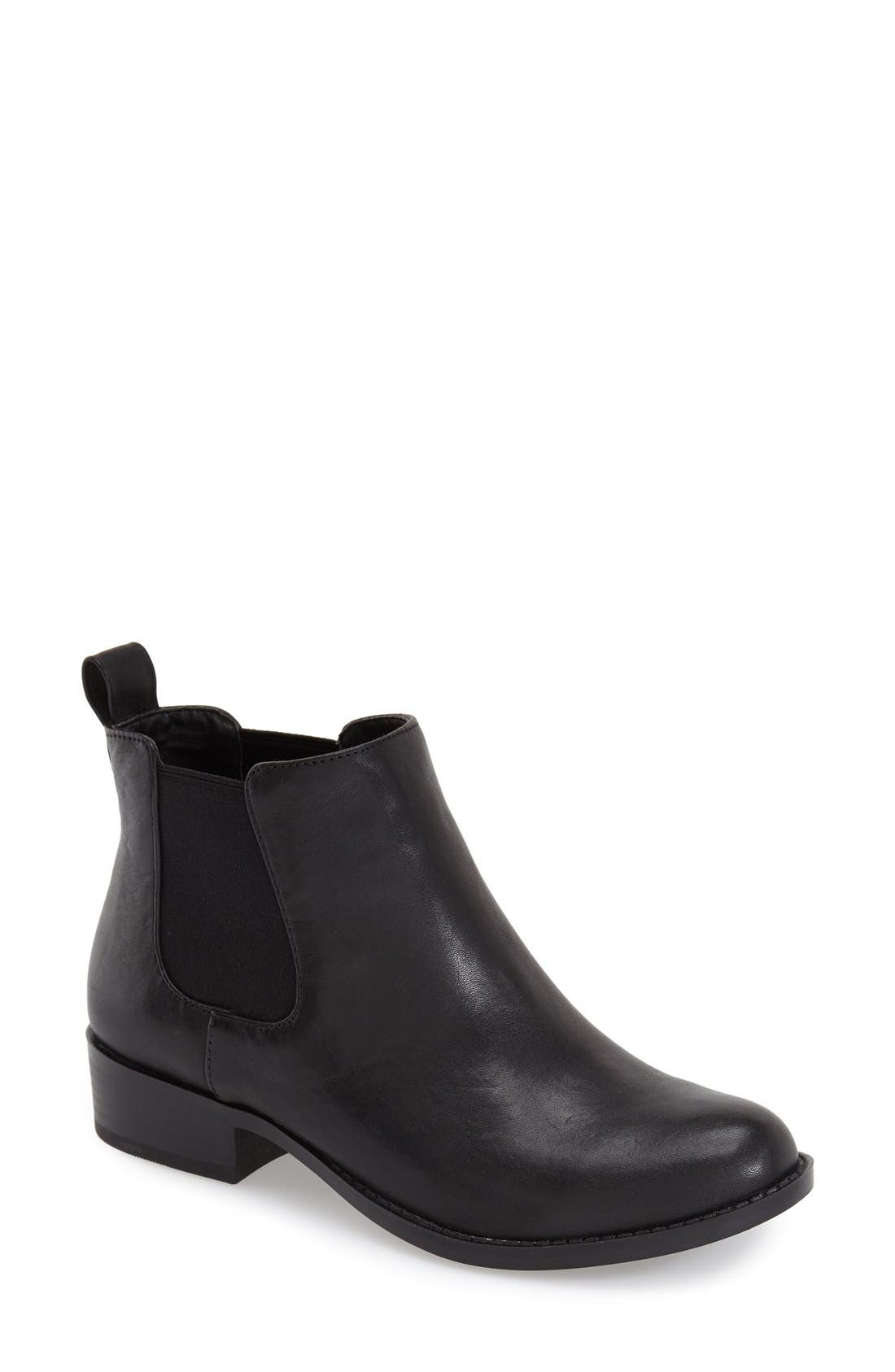 Alternate Image 1 Selected - Sole Society 'Noa'Bootie(Women)