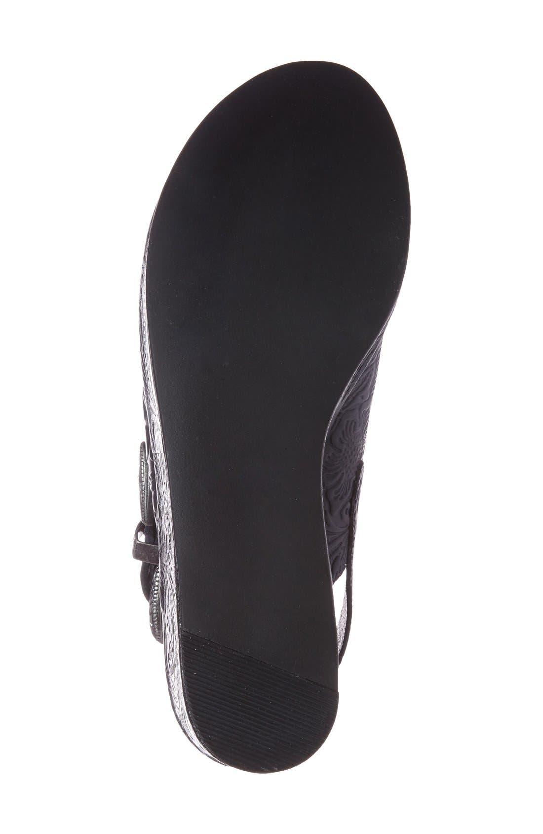 Alternate Image 4  - Matisse Embossed Slingback Platform Sandal (Women)
