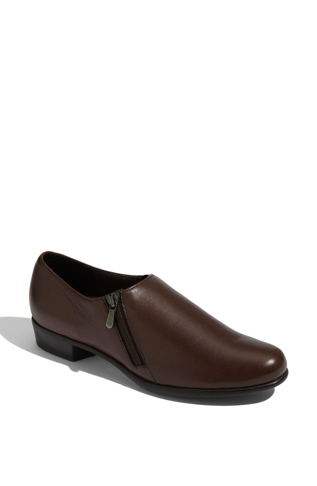 Alternate Image 1 Selected - Munro 'Derby' Loafer