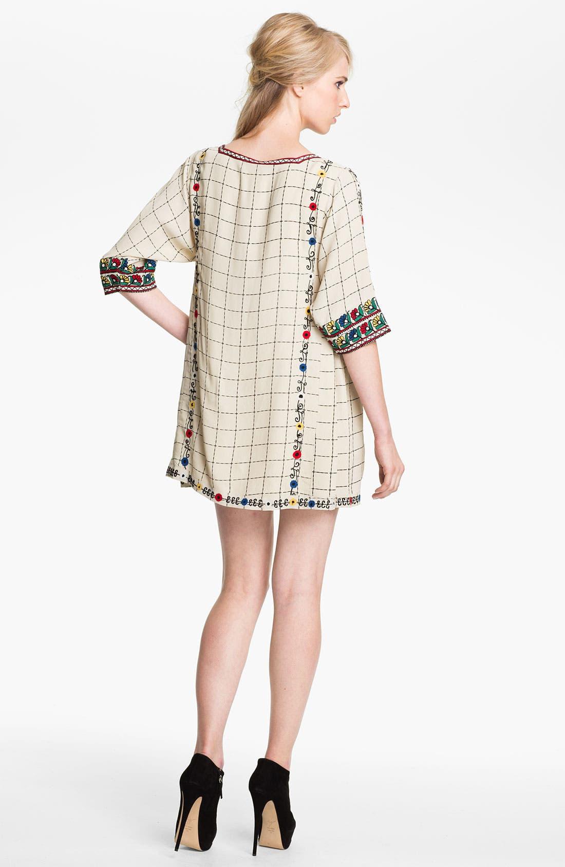 Alternate Image 2  - Twenty8Twelve 'Gaskell' Embroidered Shift Dress