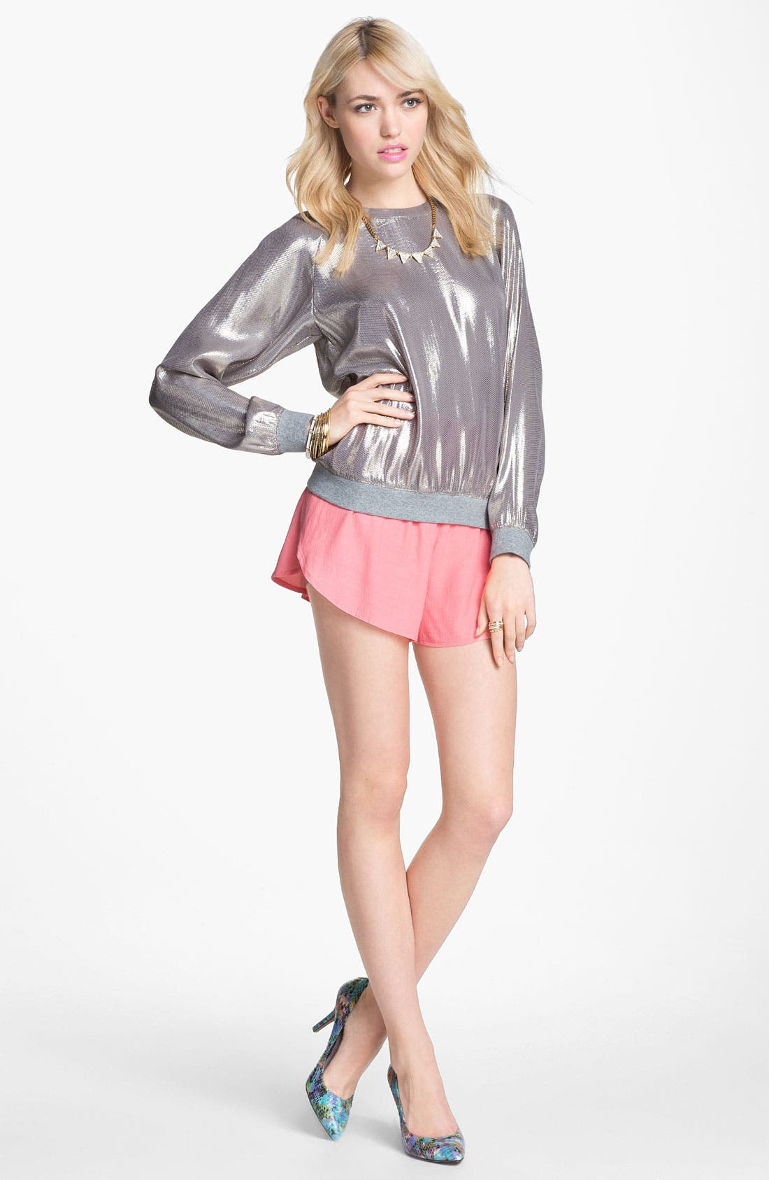 Main Image - Mural Sweatshirt, BB Dakota Lace Trim Shorts & Vince Camuto Pump