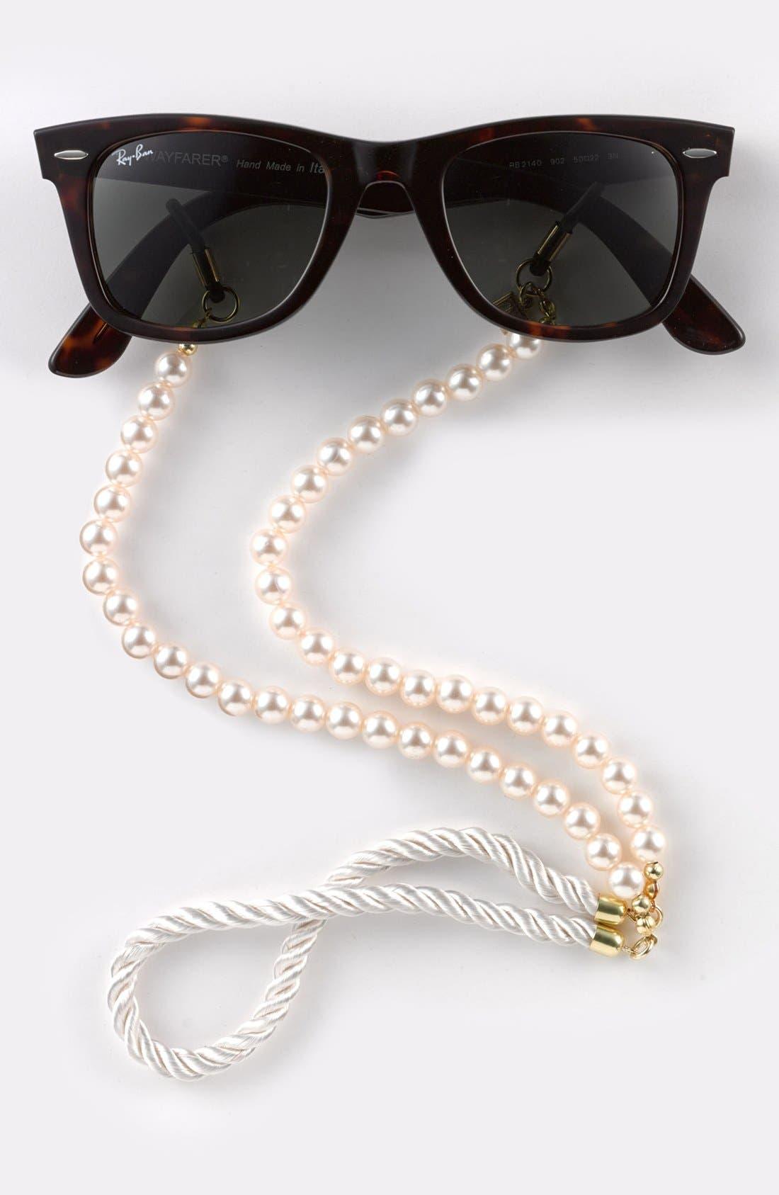 Main Image - Corinne McCormack 'Pearls' Eyewear Chain (Nordstrom Exclusive)