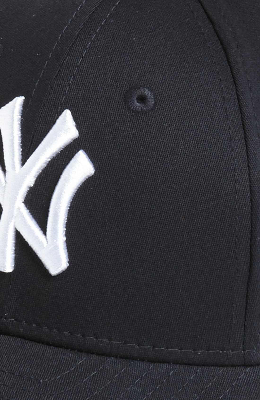 Alternate Image 2  - New Era Cap 'New York Yankees - Tie Breaker' Baseball Cap (Big Boys)