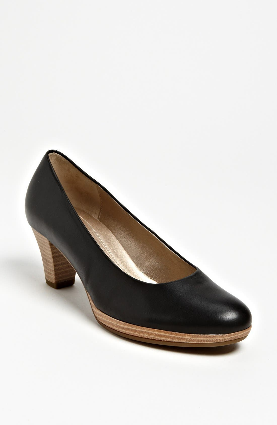 Alternate Image 1 Selected - Gabor Pump (Online Only)