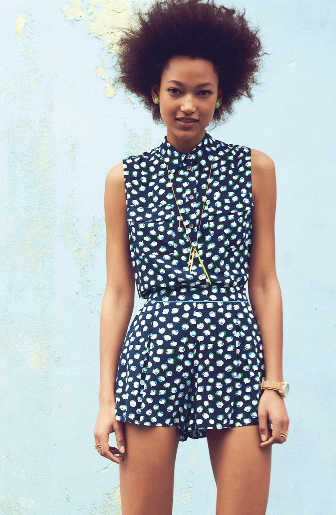 Alternate Image 8  - Two by Vince Camuto Sleeveless Floral Shirt