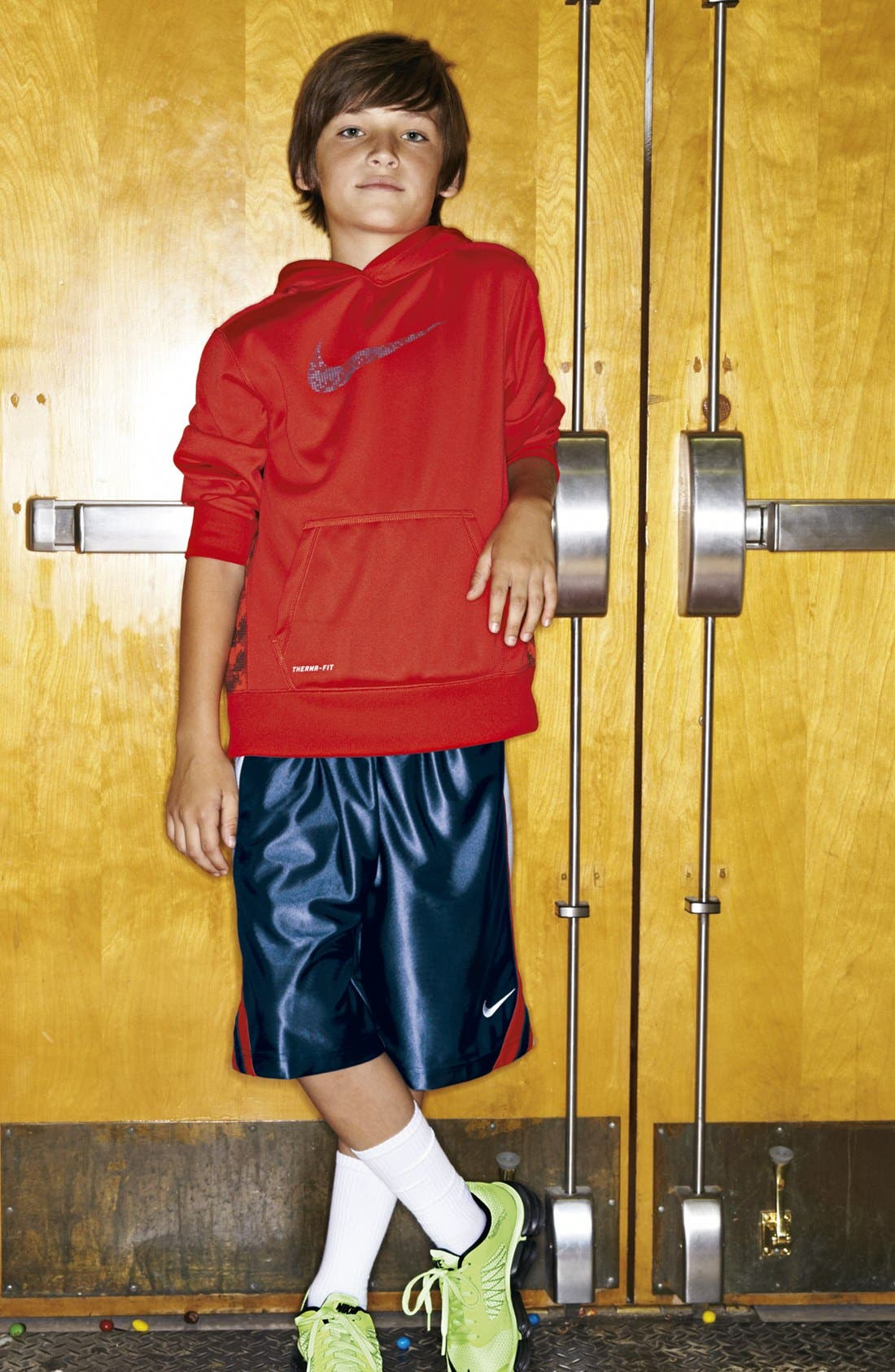 Alternate Image 1 Selected - Nike Hoodie, Fitted Top & Shorts (Big Boys)