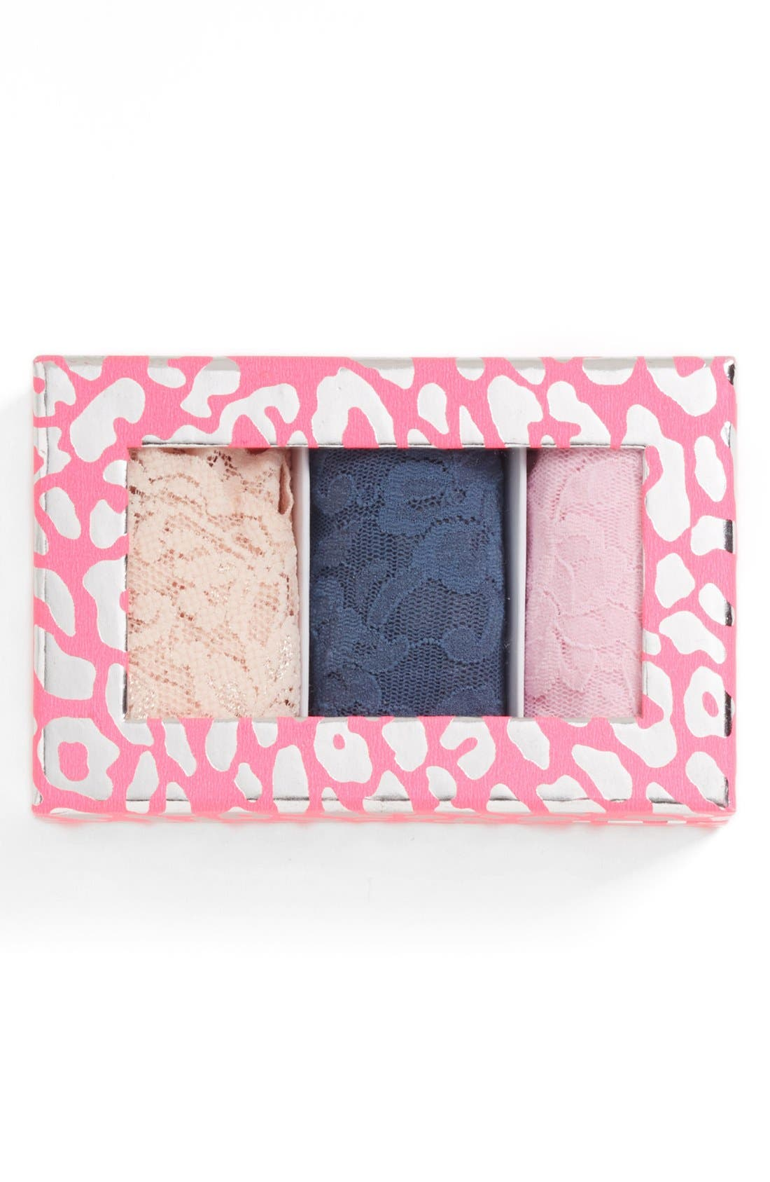 Main Image - Hanky Panky 'Signature Lace' Regular Rise Thong (3-Pack) ($60 Value)