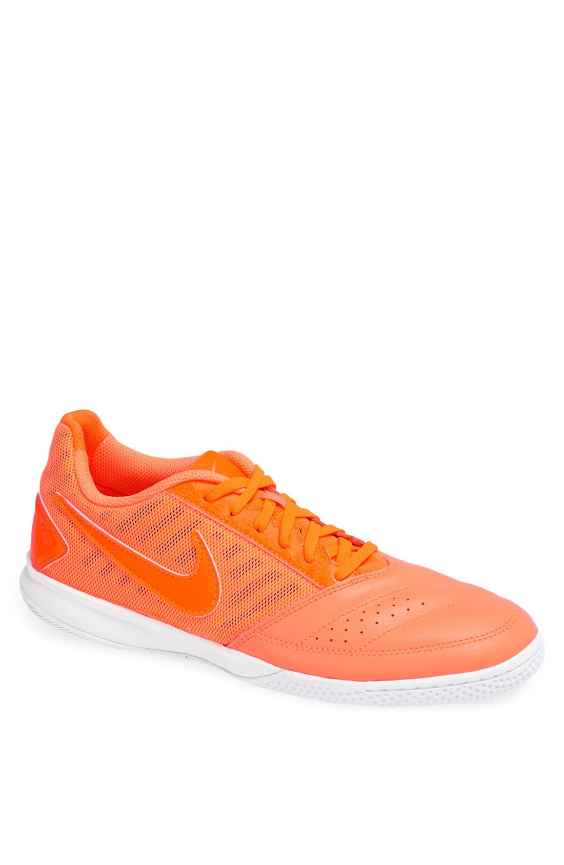 Main Image - Nike 'Gato II' Soccer Shoe (Men)
