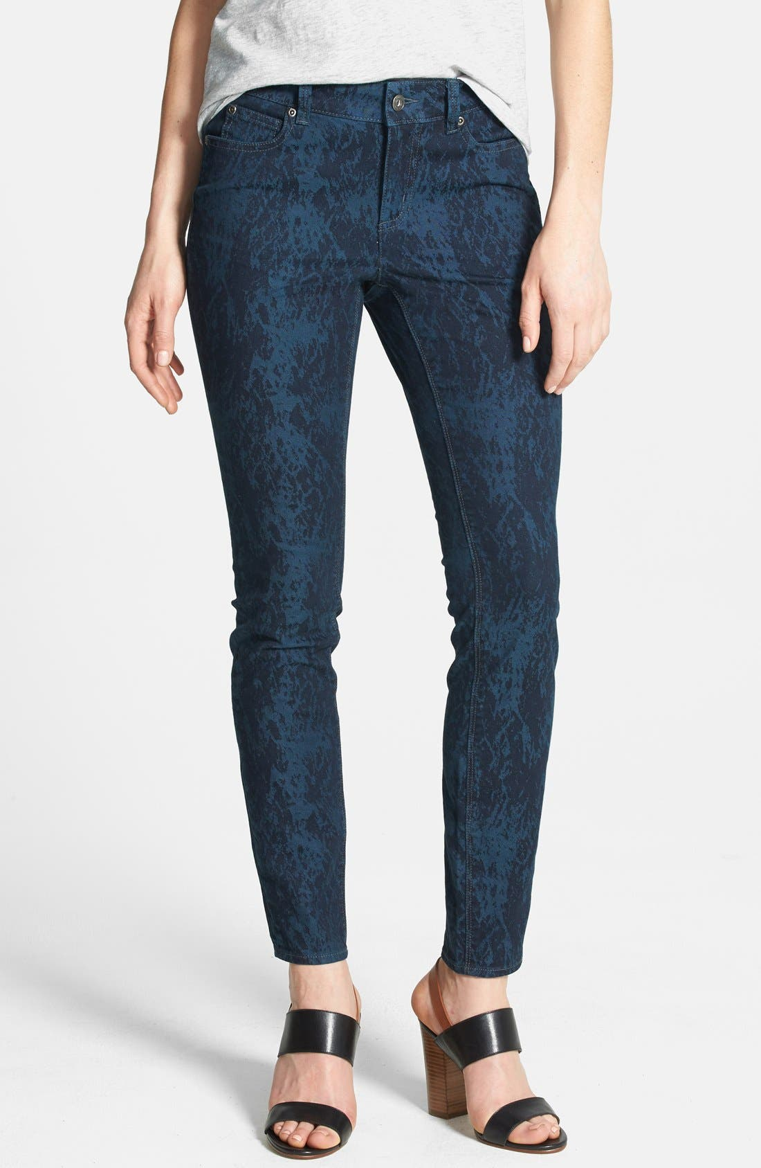 Main Image - Two by Vince Camuto 'Paint Splattered' Print Skinny Jeans (Blue Night)