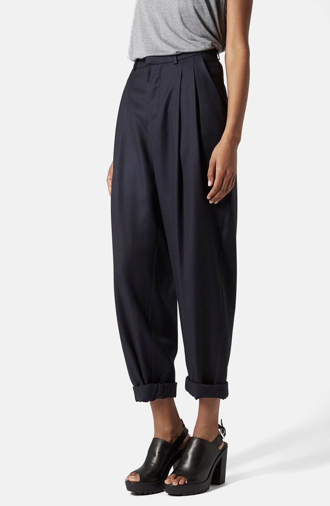 Main Image - Topshop Boutique Slouchy Roll-Up Trousers