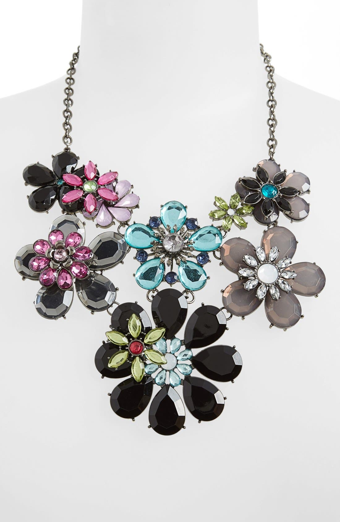Main Image - Topshop Mixed Flower Necklace