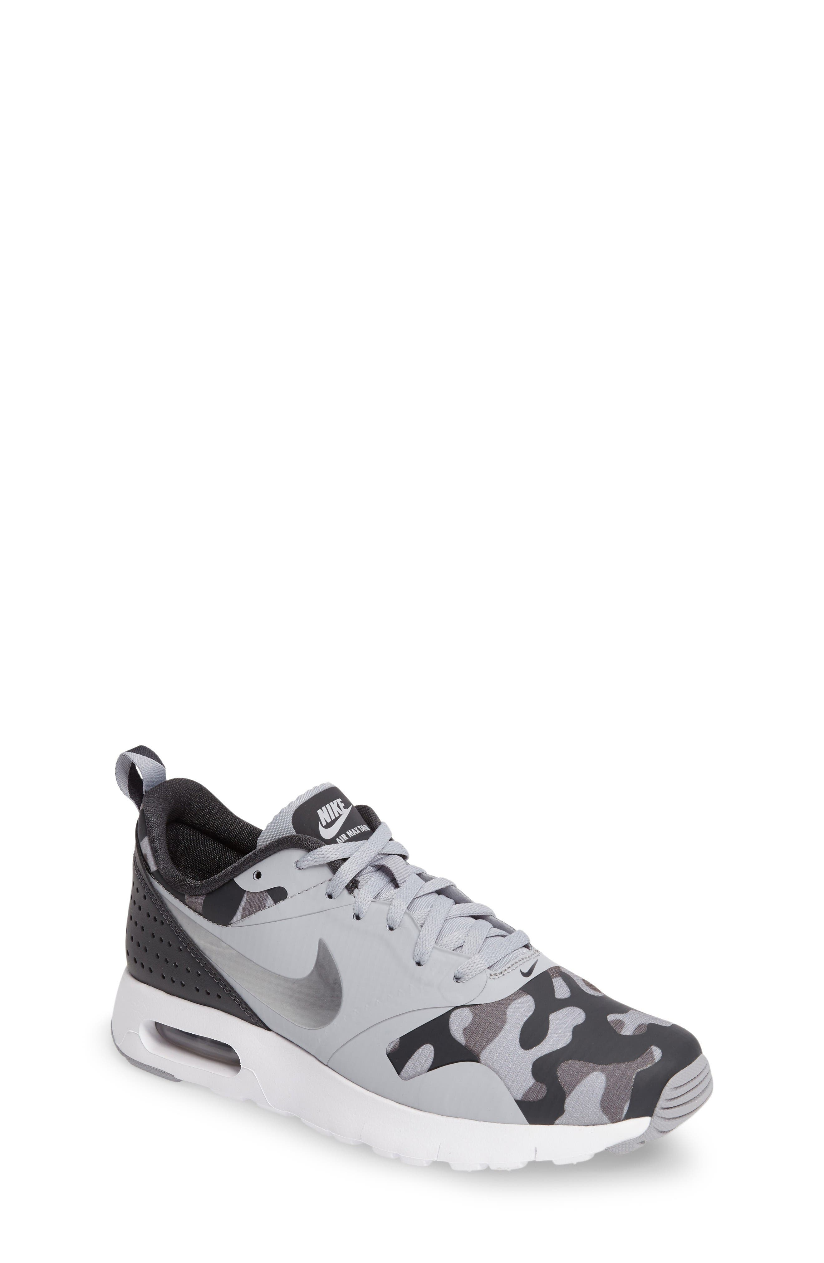NIKE Air Max Tavas Sneaker