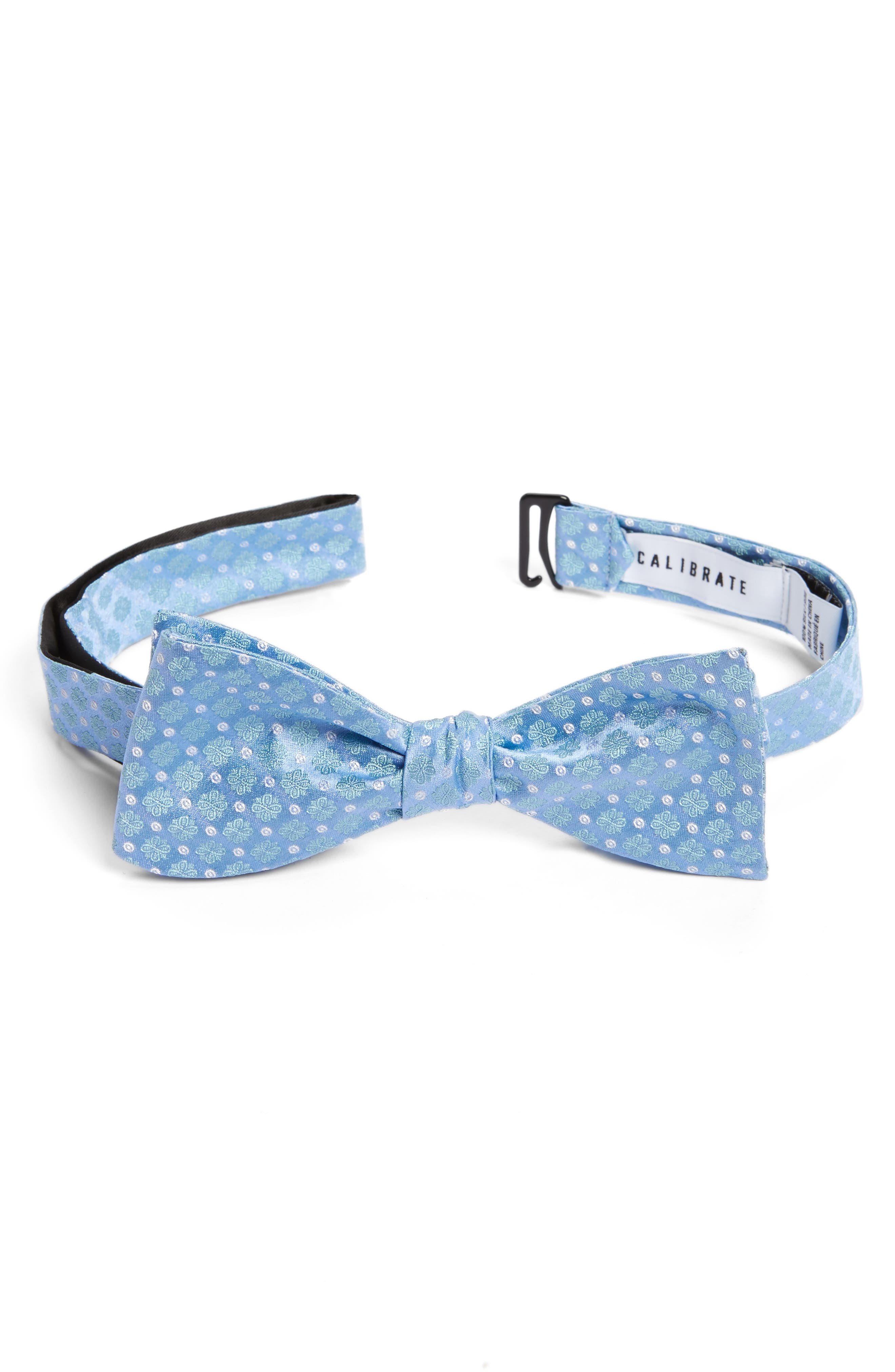 Calibrate Forget Me Not Medallion Silk Bow Tie