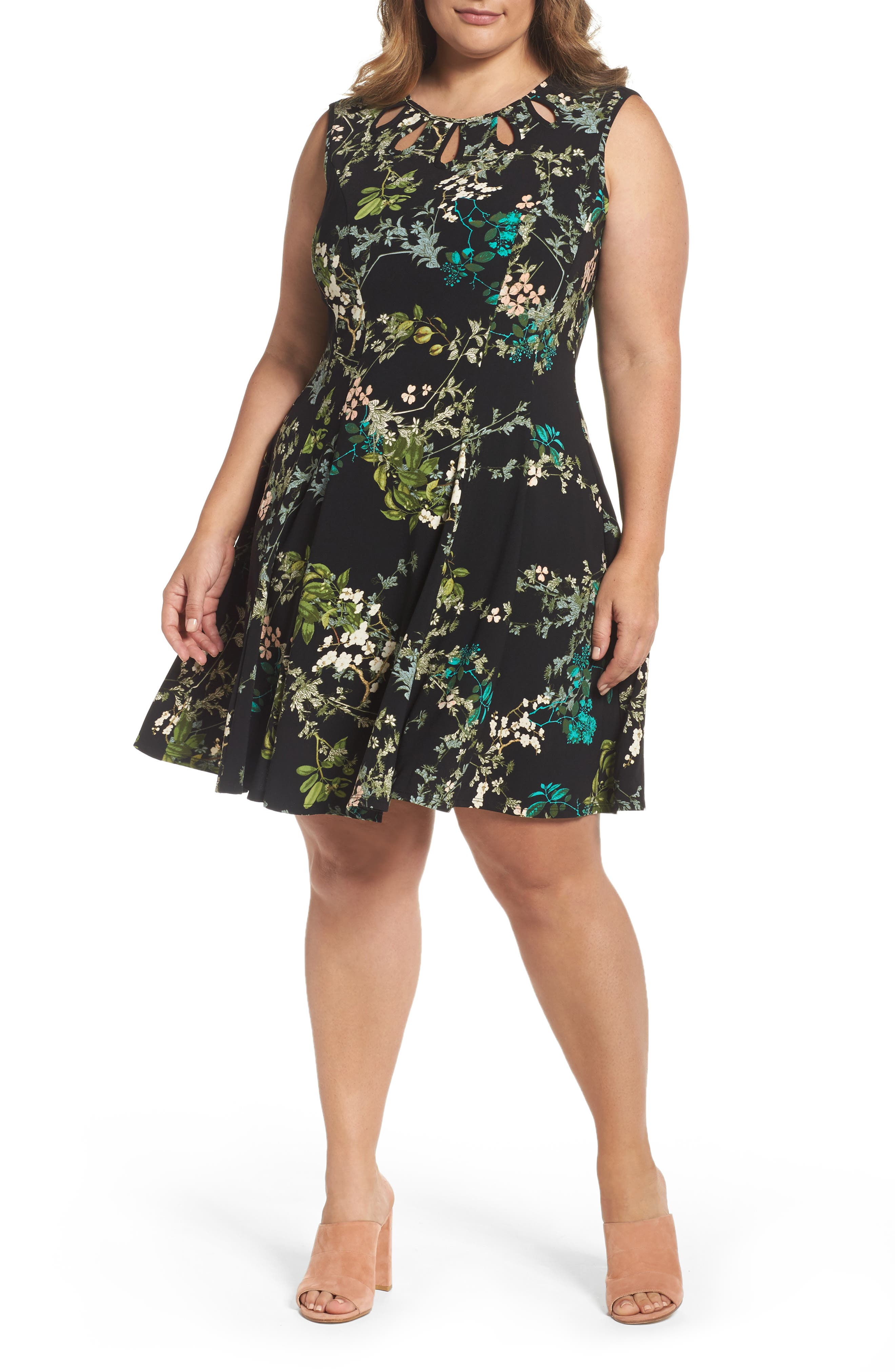 Gabby Skye Keyhole Detail Floral Fit & Flare Dress (Plus Size)