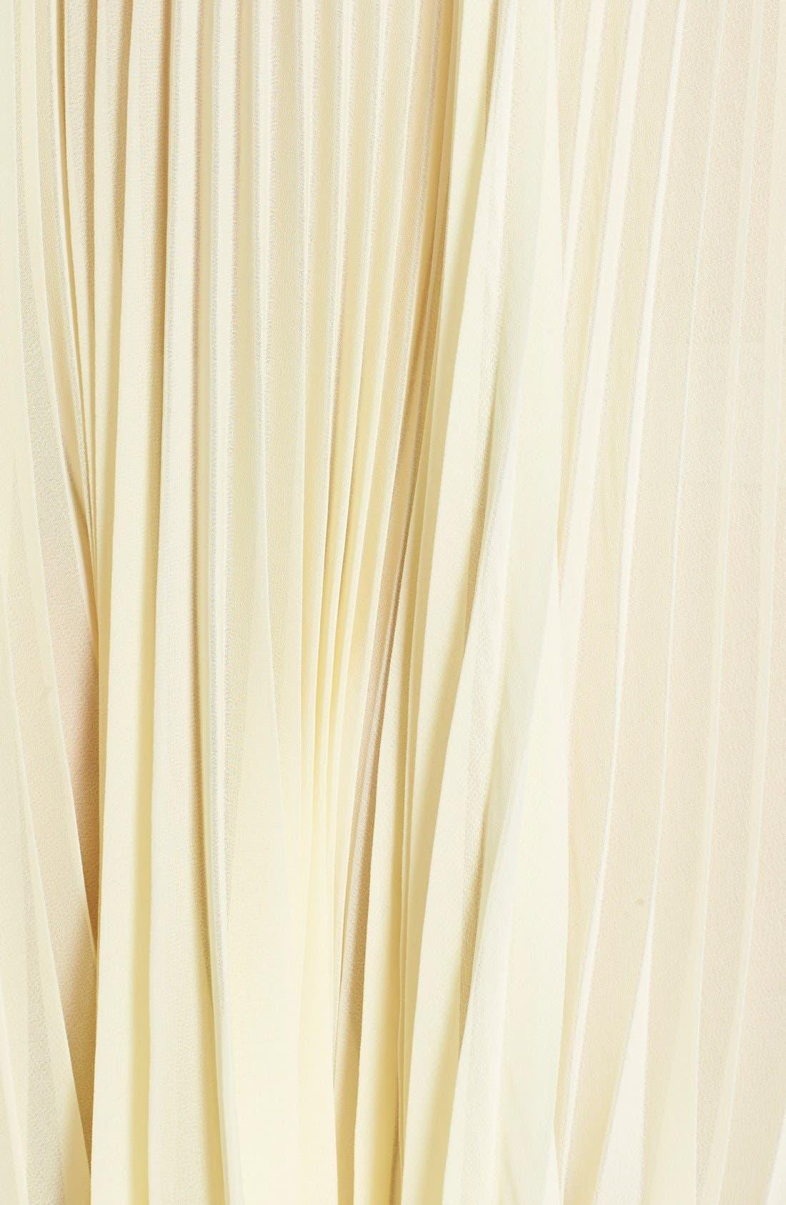 Alternate Image 3  - In Bloom by Jonquil 'Sunburst' Pleated Chemise