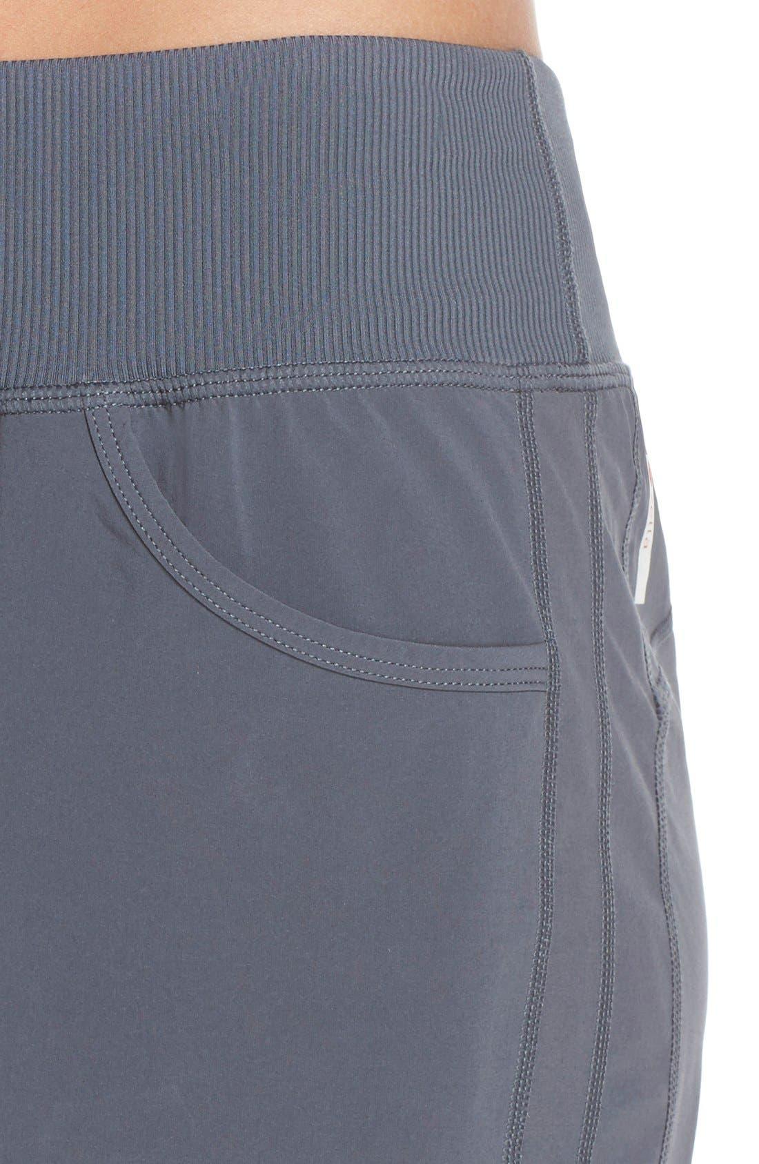 Alternate Image 4  - Zella 'City' Shorts (Online Only)