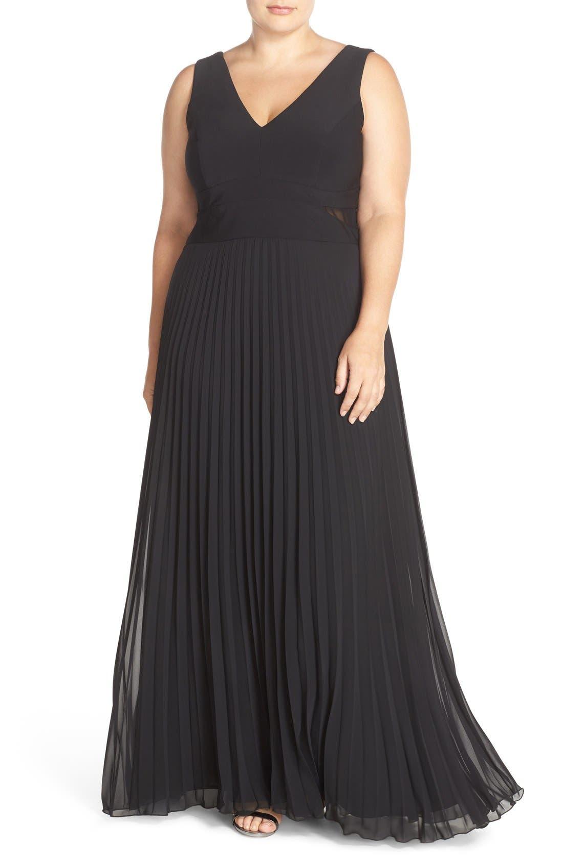 XSCAPE Jersey & Pleat Chiffon V-Neck Gown