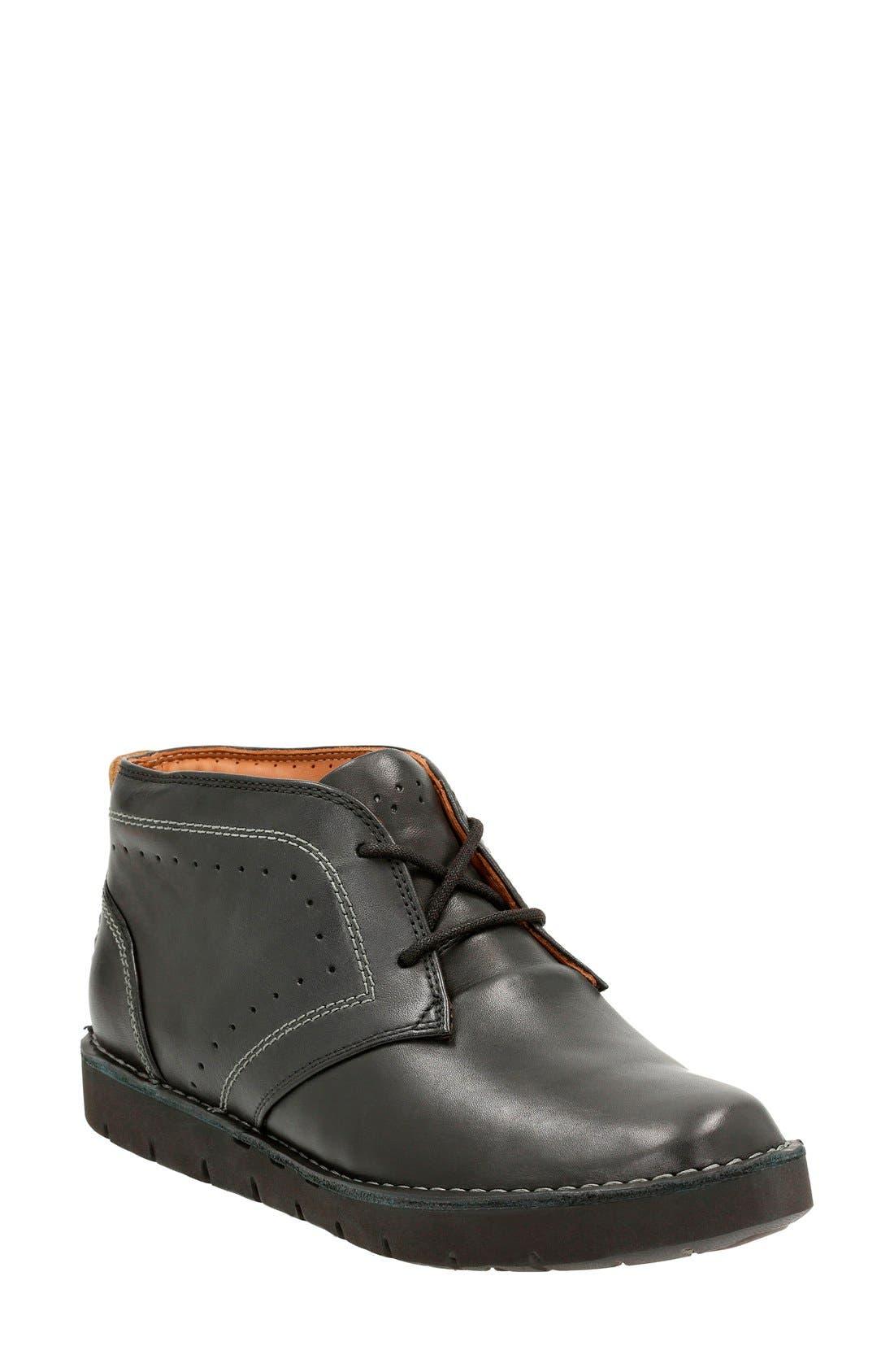 CLARKS® 'Un Astin' Boot