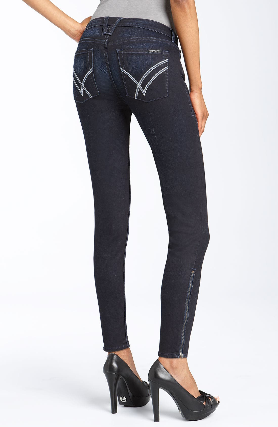 Denim Leggings. A woman always on the cutting edge of fashion simply can't go wrong in a pair of denim leggings. Take skinny jeans to a whole new level with pull-on stretch knit or cotton spandex material from brand names like 7 For All Mankind, HUE and ECI. The stretch fabrication of these leggings makes them ideal to be worn from day to evening, allowing you to style your outfits around .