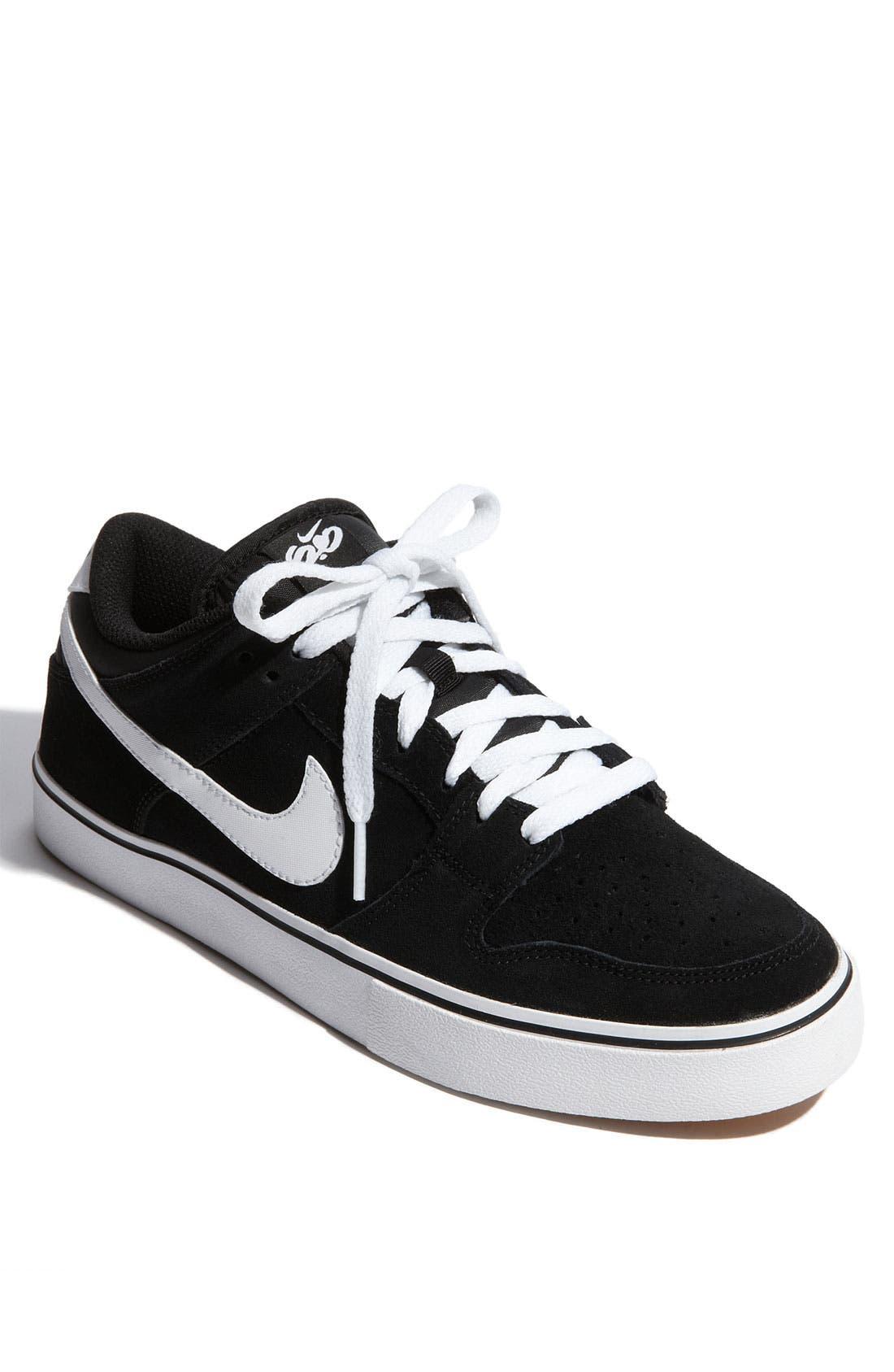 Alternate Image 1 Selected - Nike '6.0 Dunk Low LR' Sneaker (Men)