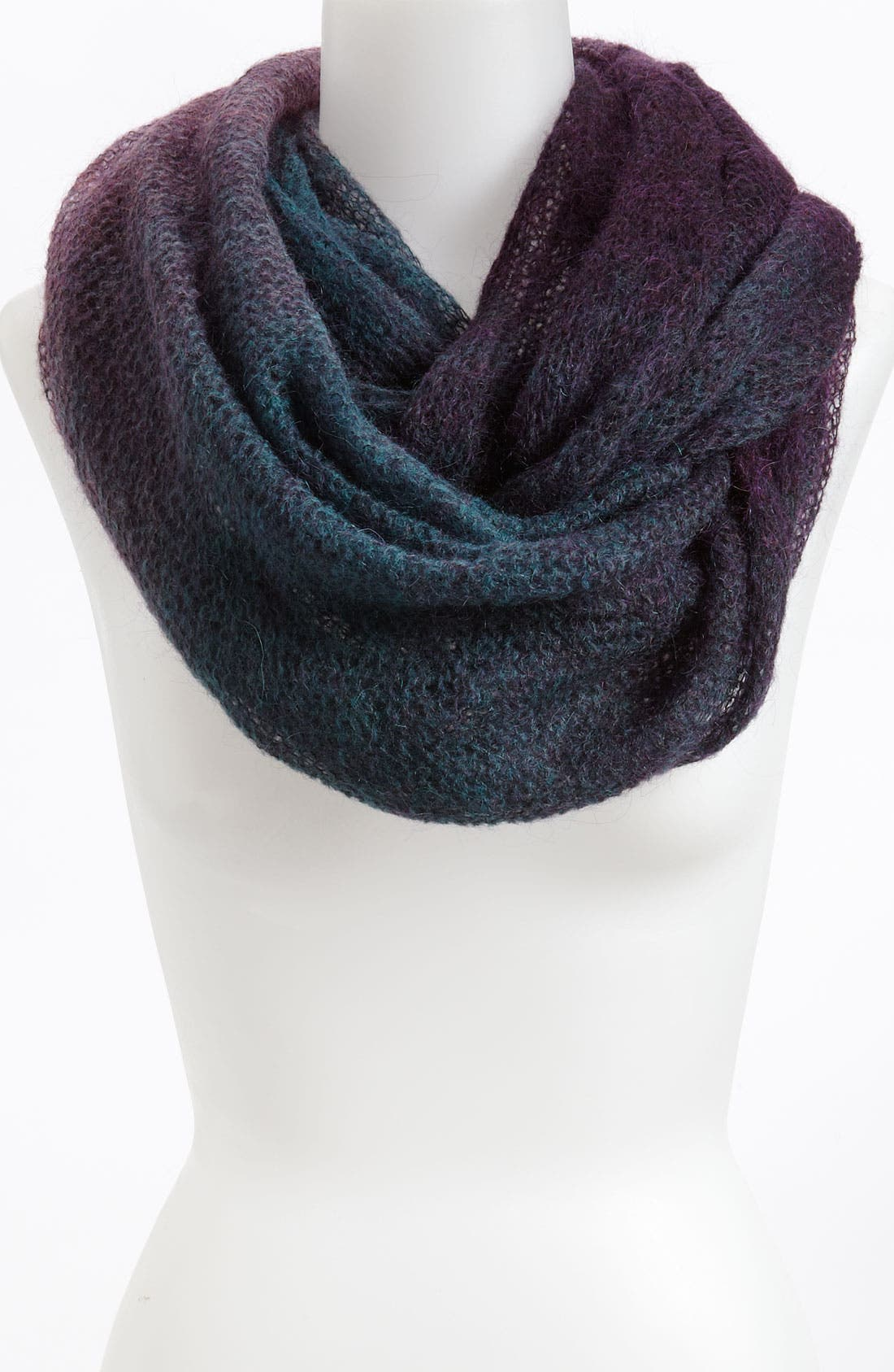 Main Image - Tarnish Infinity Scarf