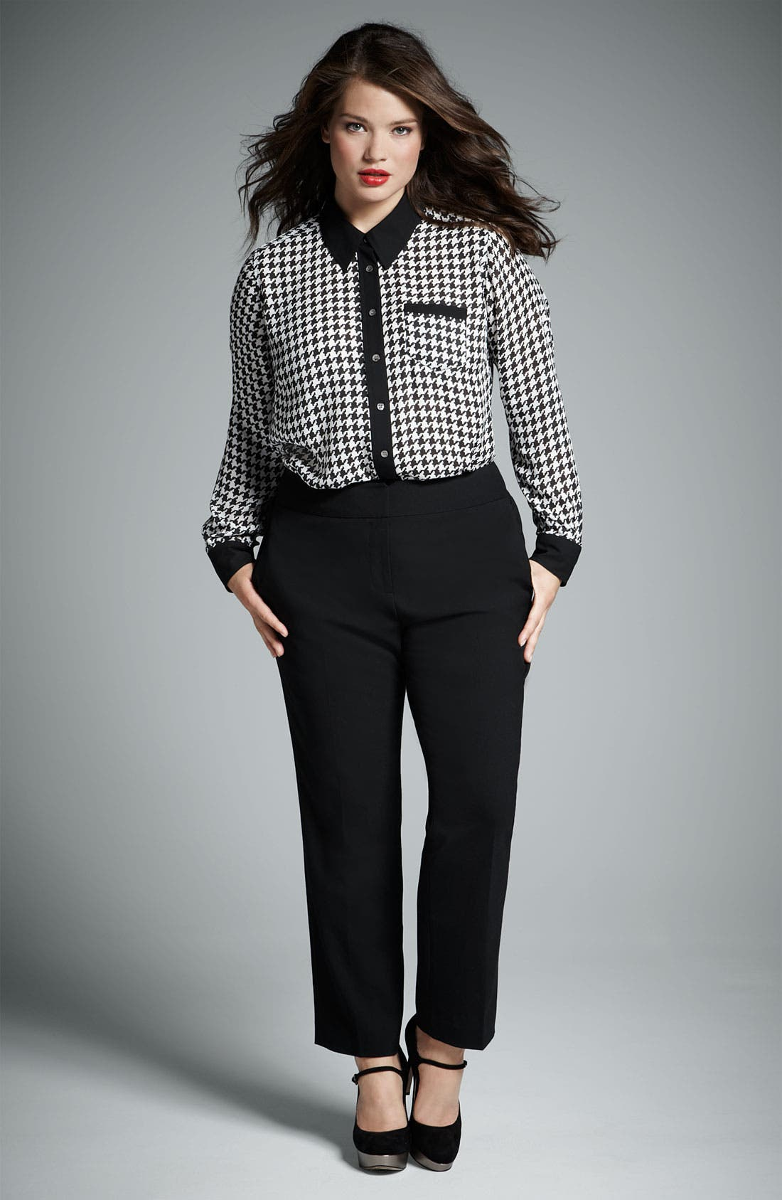 Alternate Image 4  - Vince Camuto Contrast Trim Houndstooth Blouse (Plus)