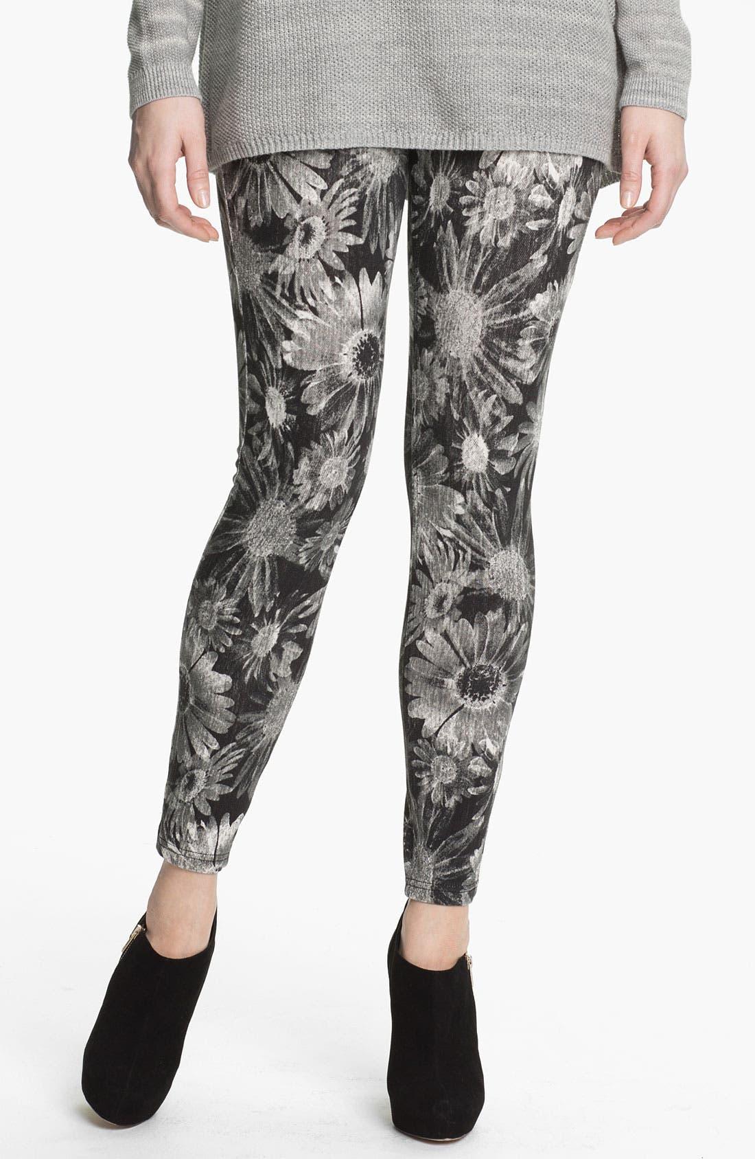 Main Image - Hue Floral Denim Leggings